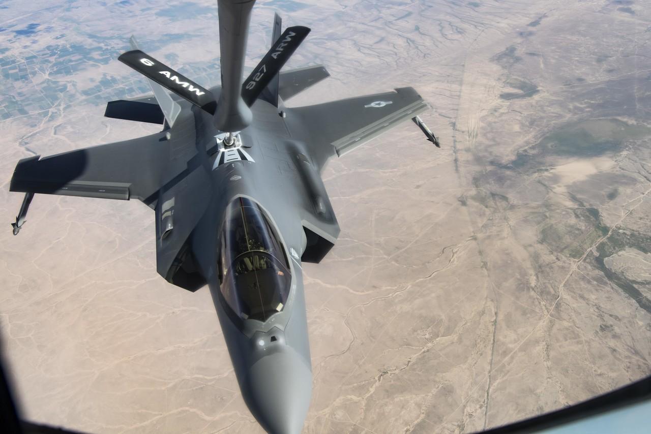 مقاتلة F-35 من الأعلى