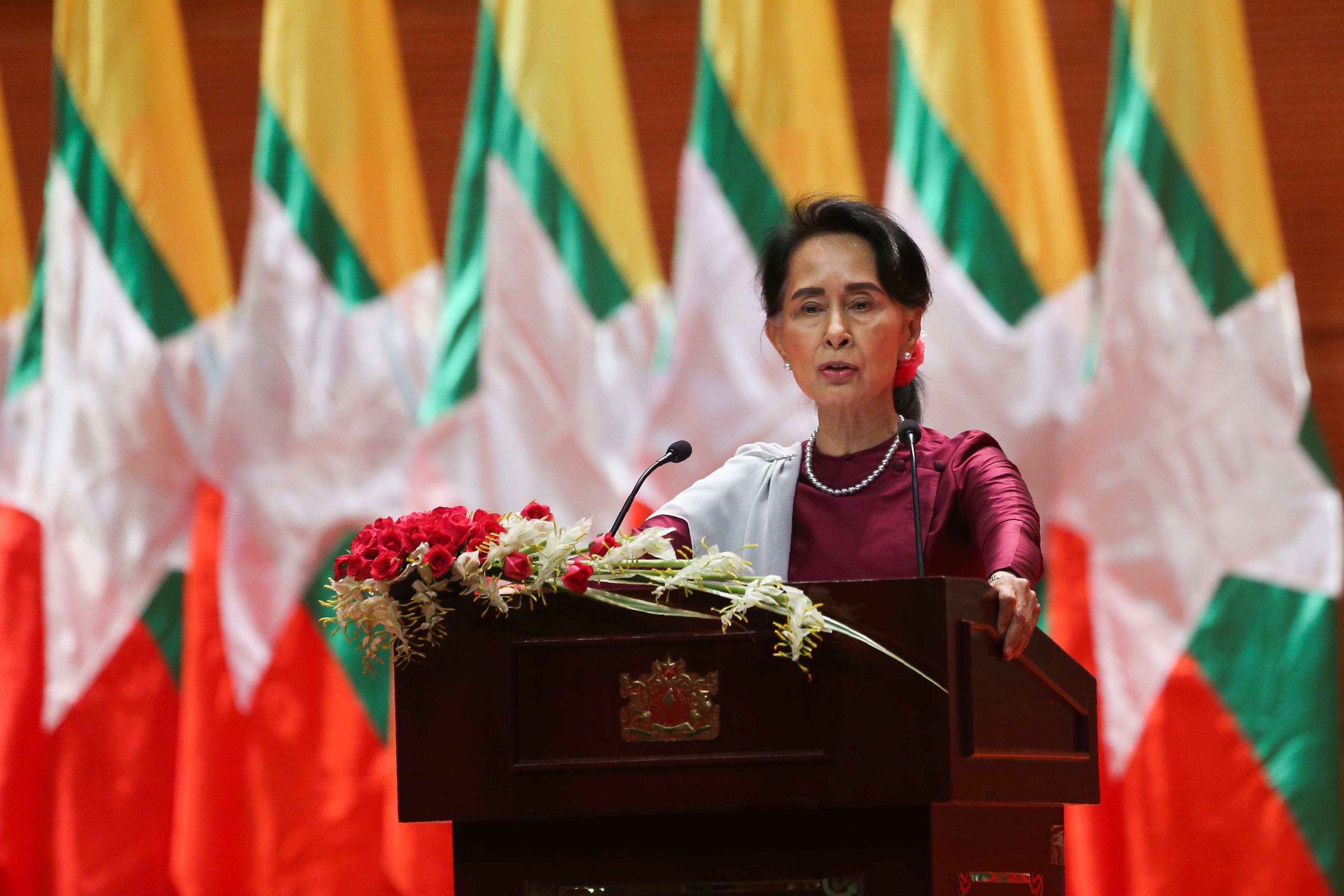 المستشارة البورمية أونغ سان سو تشي في كلمتها الثلاثاء