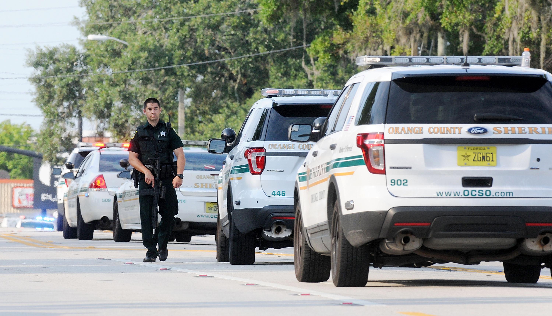 الشرطة في موقع الهجوم بأورلاندو