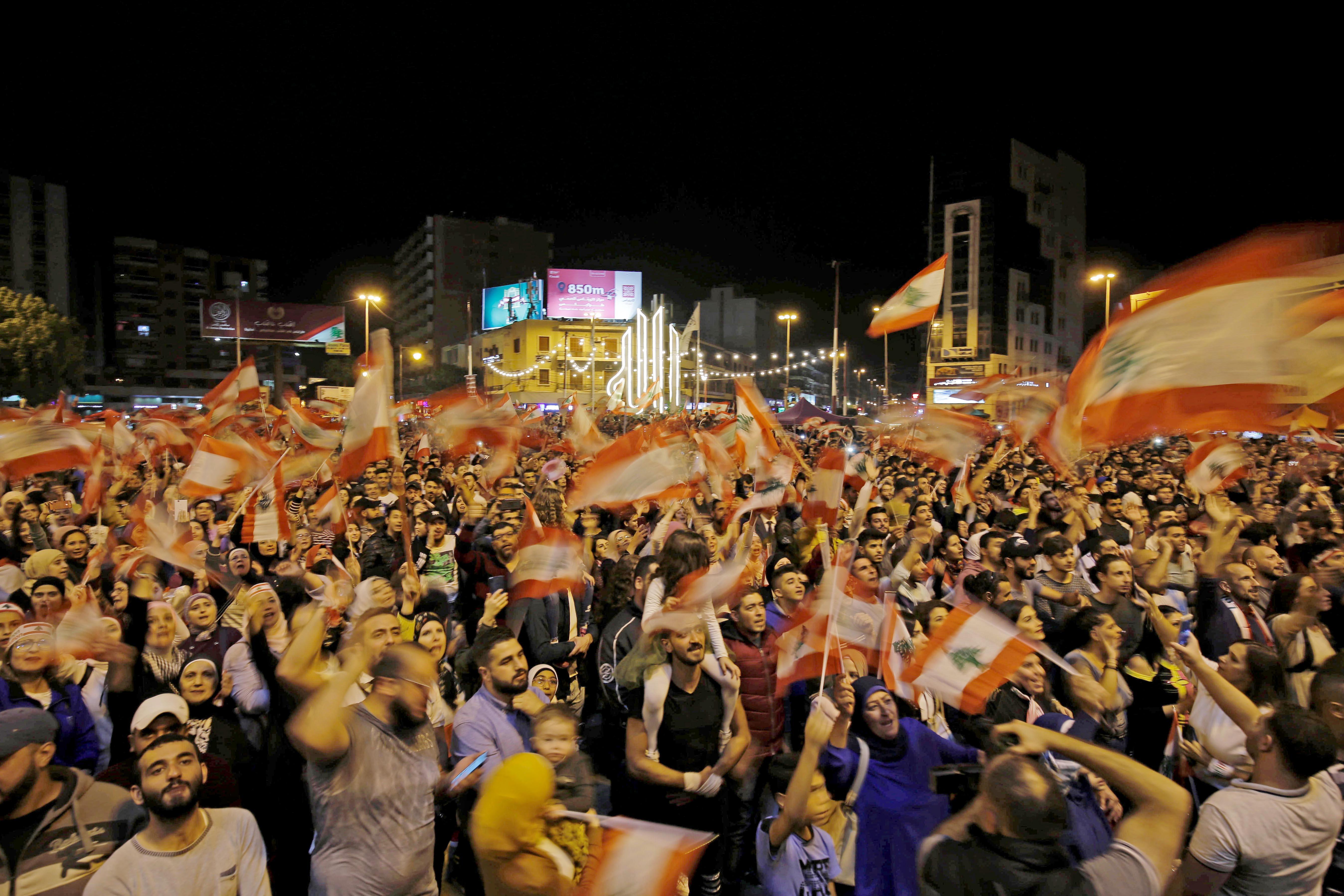 متظاهرون في طرابلس شمالي لبنان