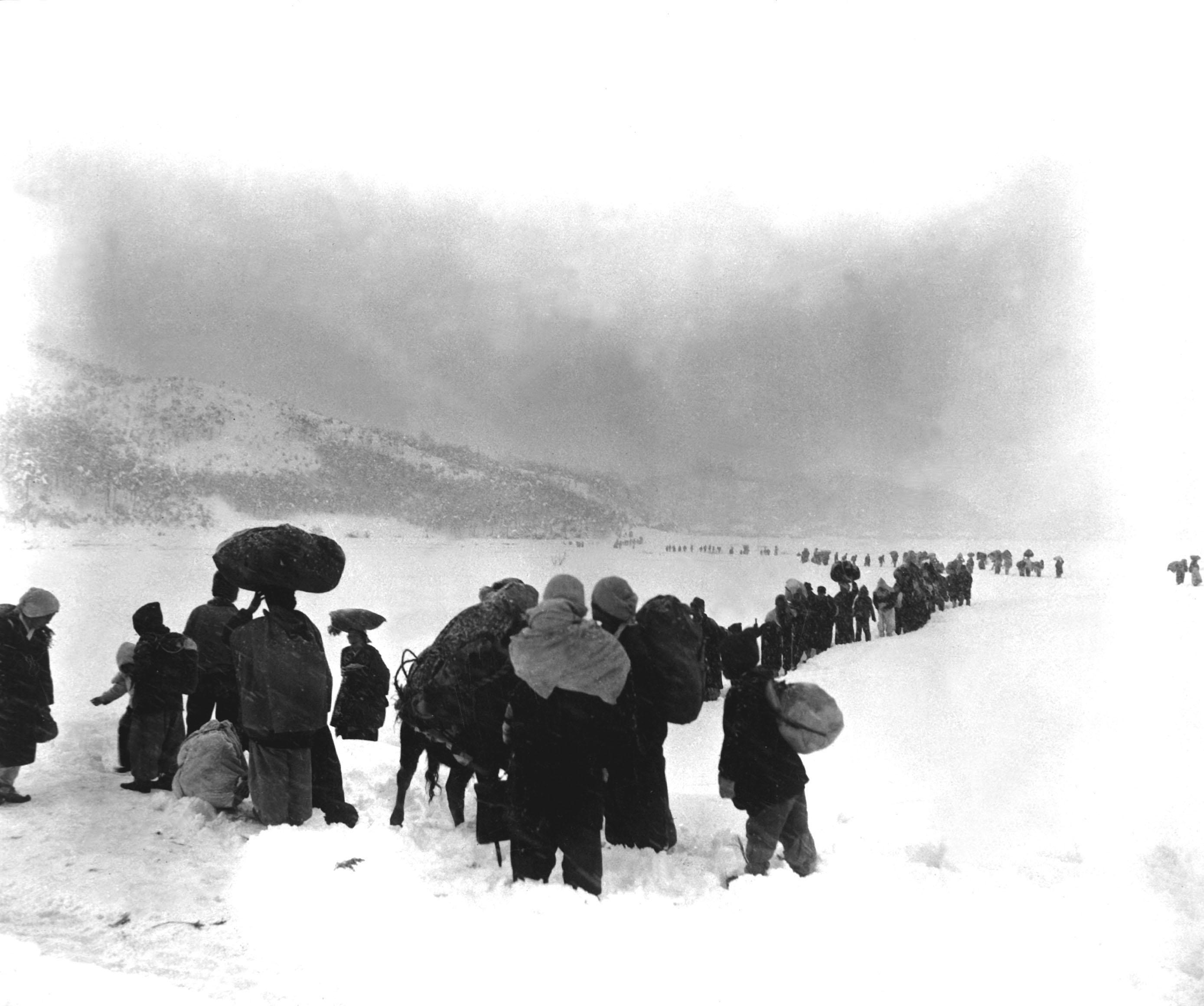 نازحون أثناء الحرب الكورية