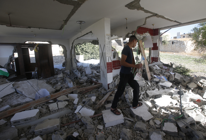 جانب من منزل بشار مصالحة بعد تنفيذ قرار الهدم