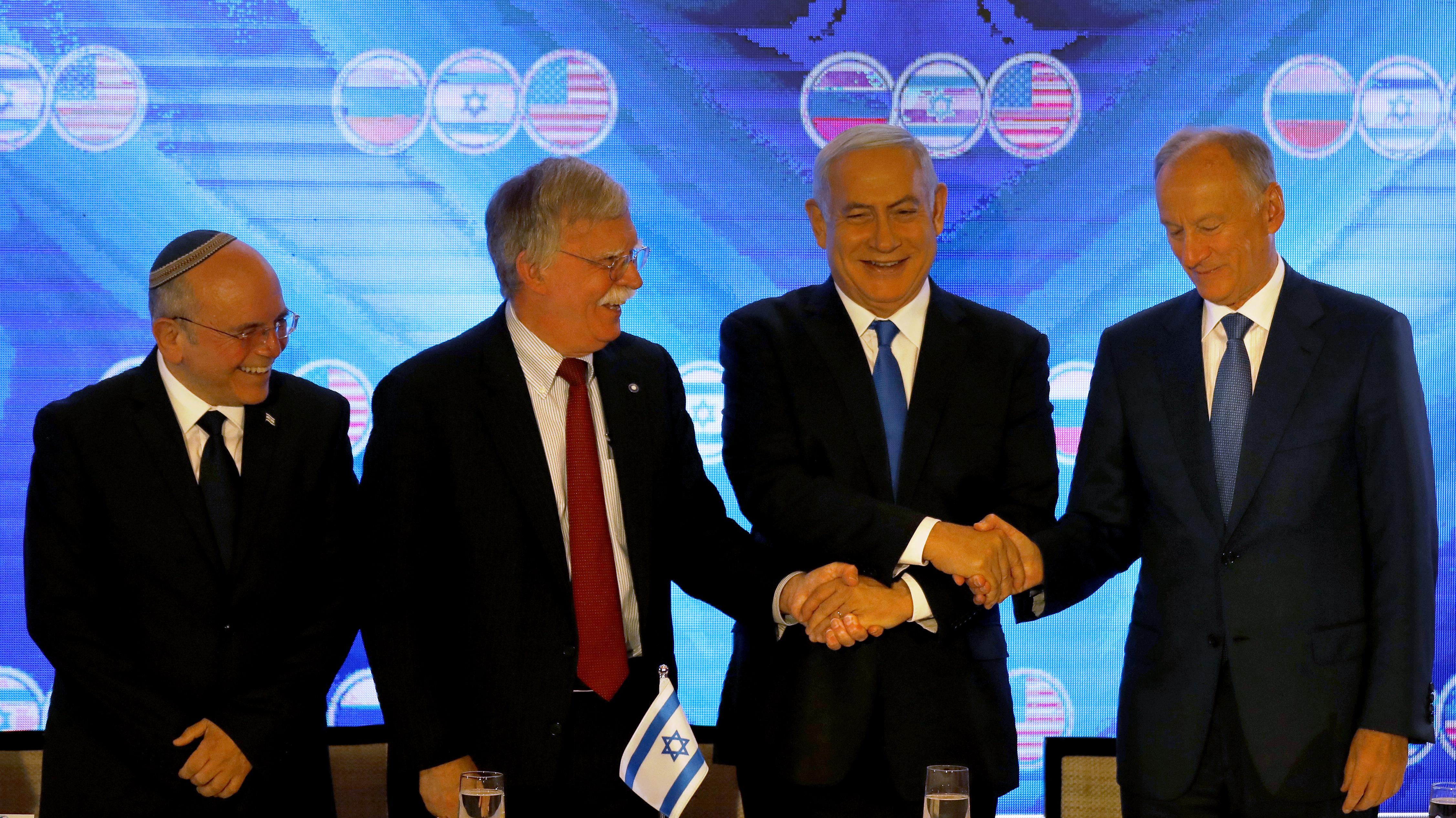 بولتون خلال القمة الأمنية الثلاثية في القدس