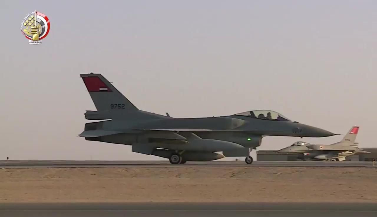 """مقاتلة مصرية من طراز """"أف-16"""""""