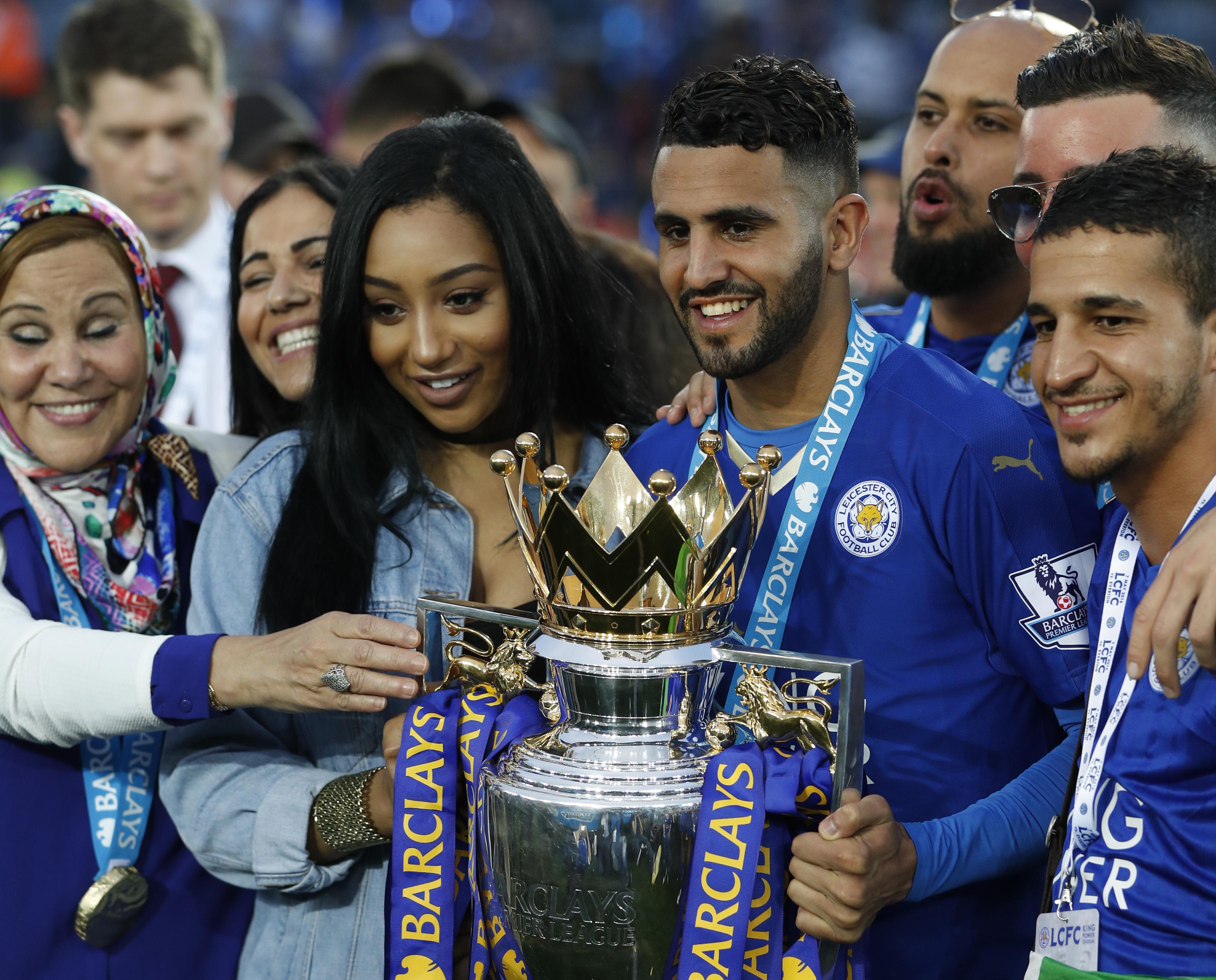 لاعب كرة القدم البريطاني المسلم رياض محرز.