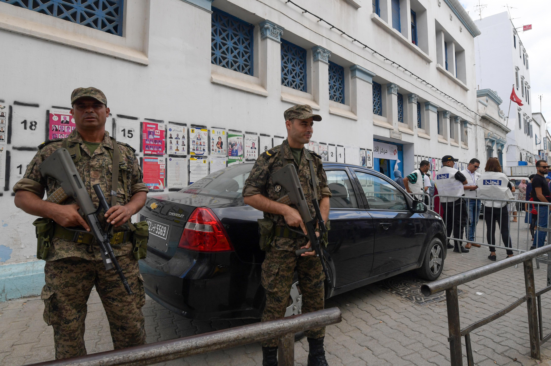 تشديدات أمنية حول مقار الانتخابات حيث لا تزال حال الطوارئ سارية