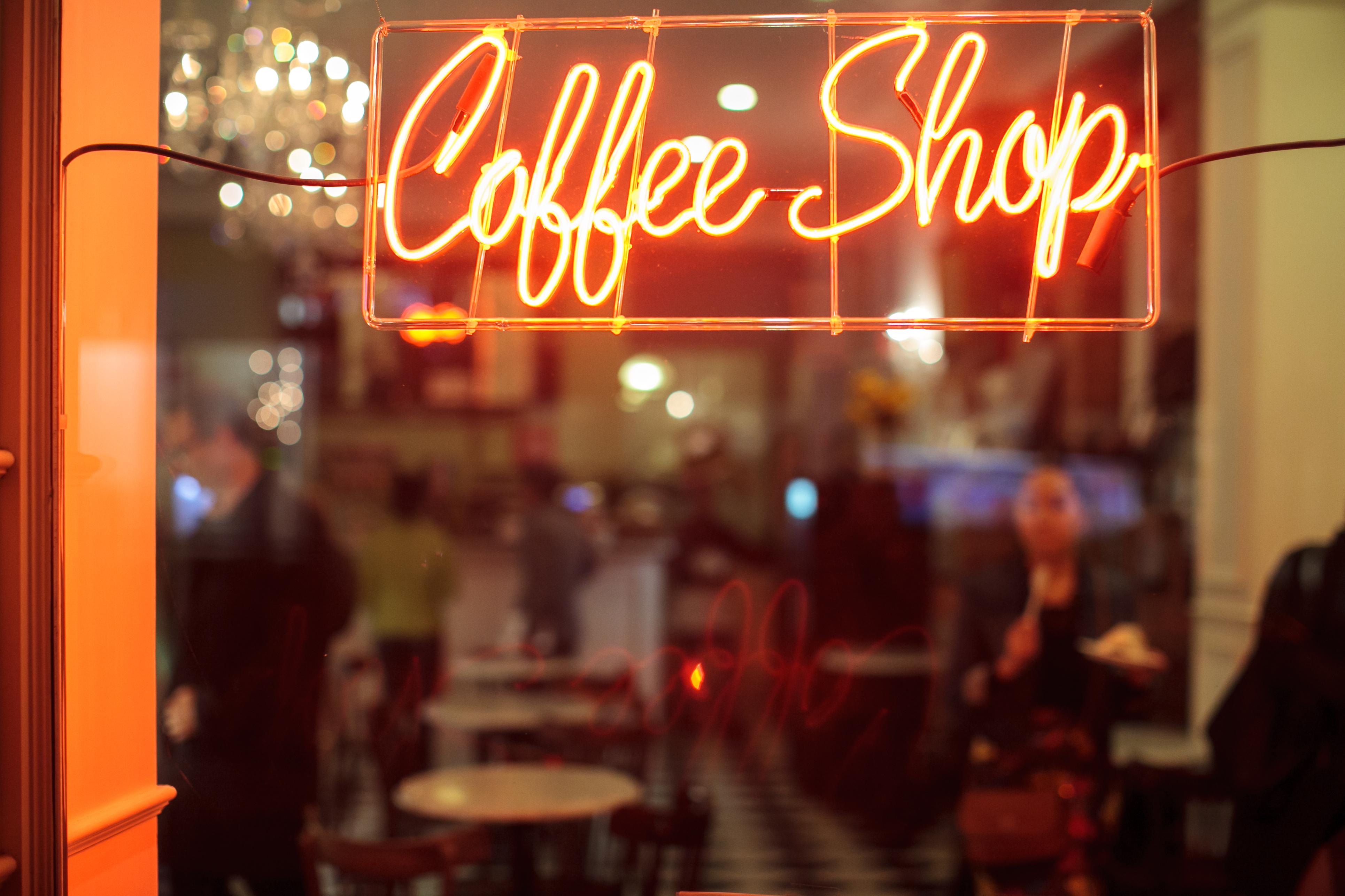 64 بالمئة من الأميركيين فوق سن 18 عاما يقولون إنهم يتناولون القهوة يوميا مرة واحدة على الأقل