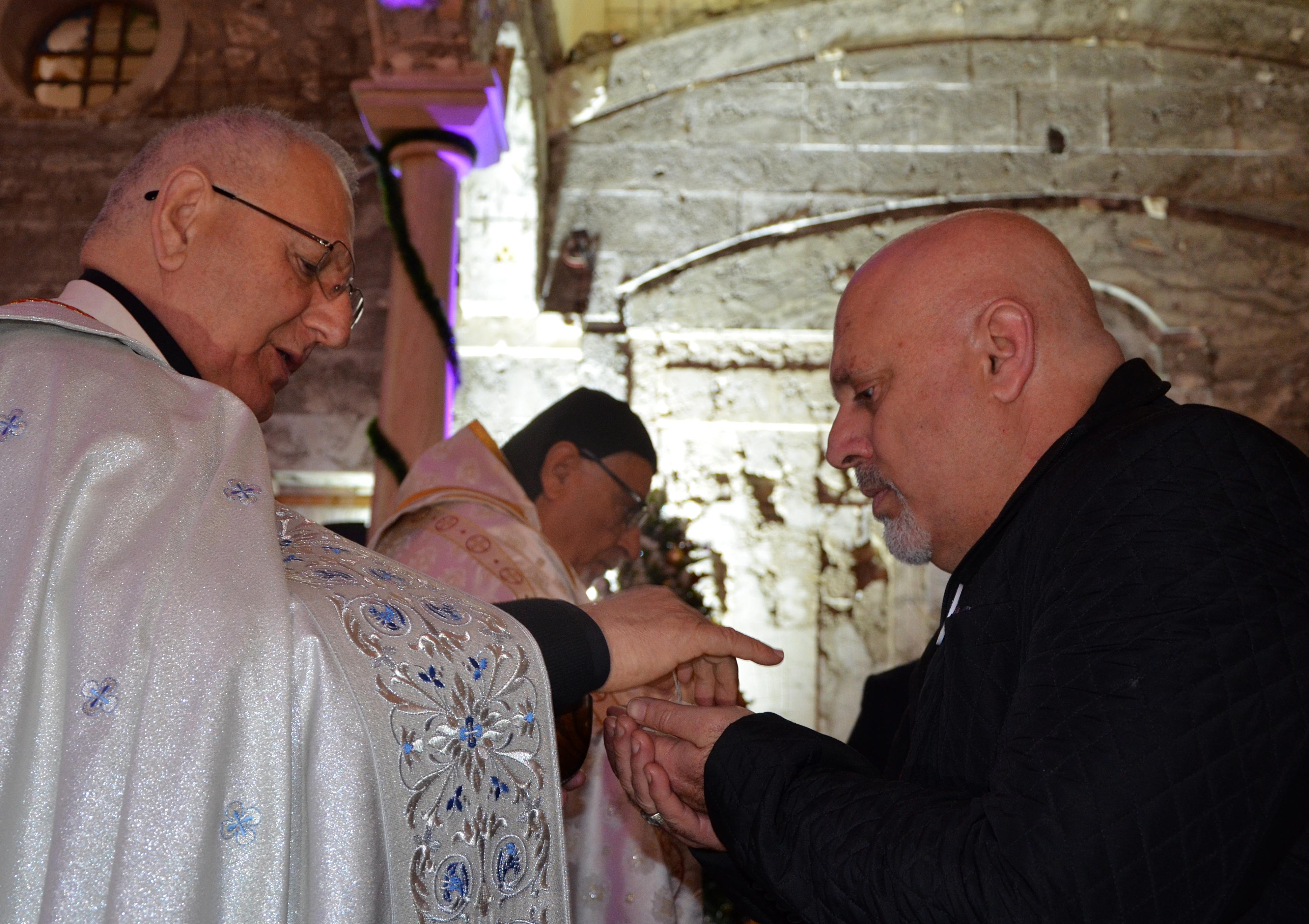 القربان المقدس أحد أهم طقوس القداس