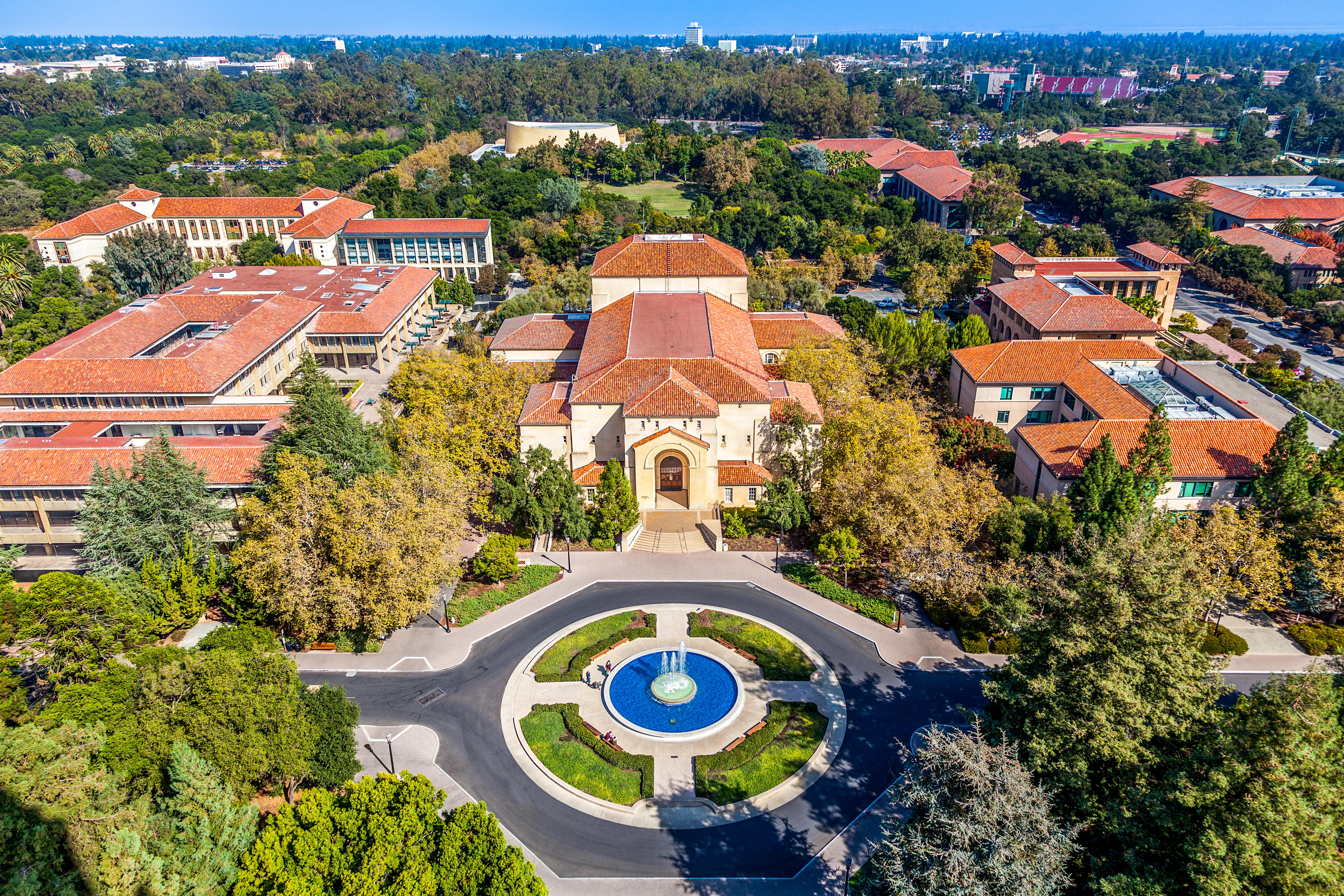 جامعة ستانفورد الأميركية بمنطقة وادي السيليكون- كاليفورنيا
