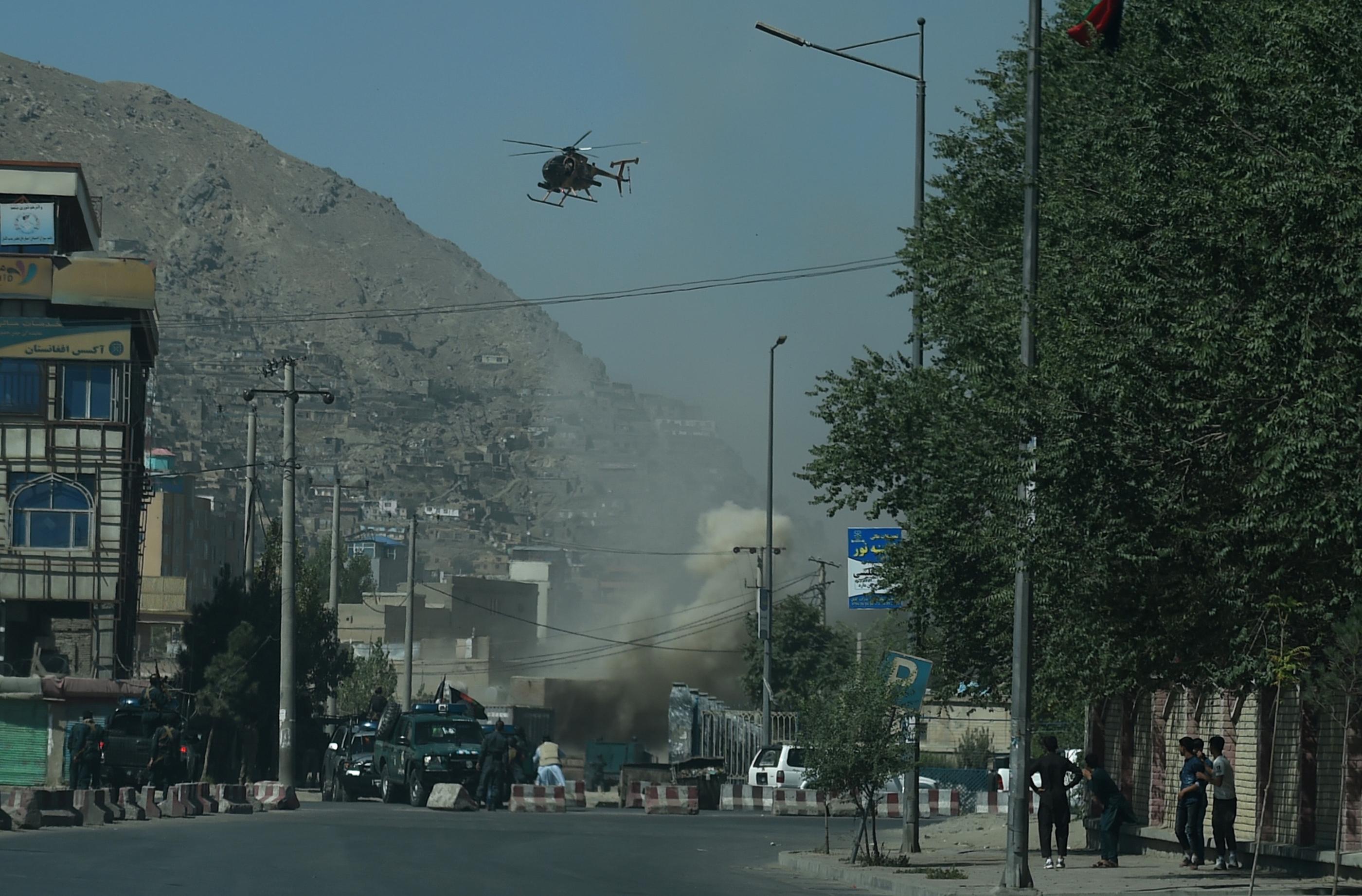 كابول صباح عيد الأضحى حيث تظهر مروحية قصفت مواقع للمسلحين