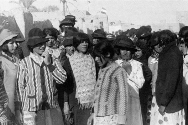 لباس النساء الإيرانيات بعد قرار الشاه
