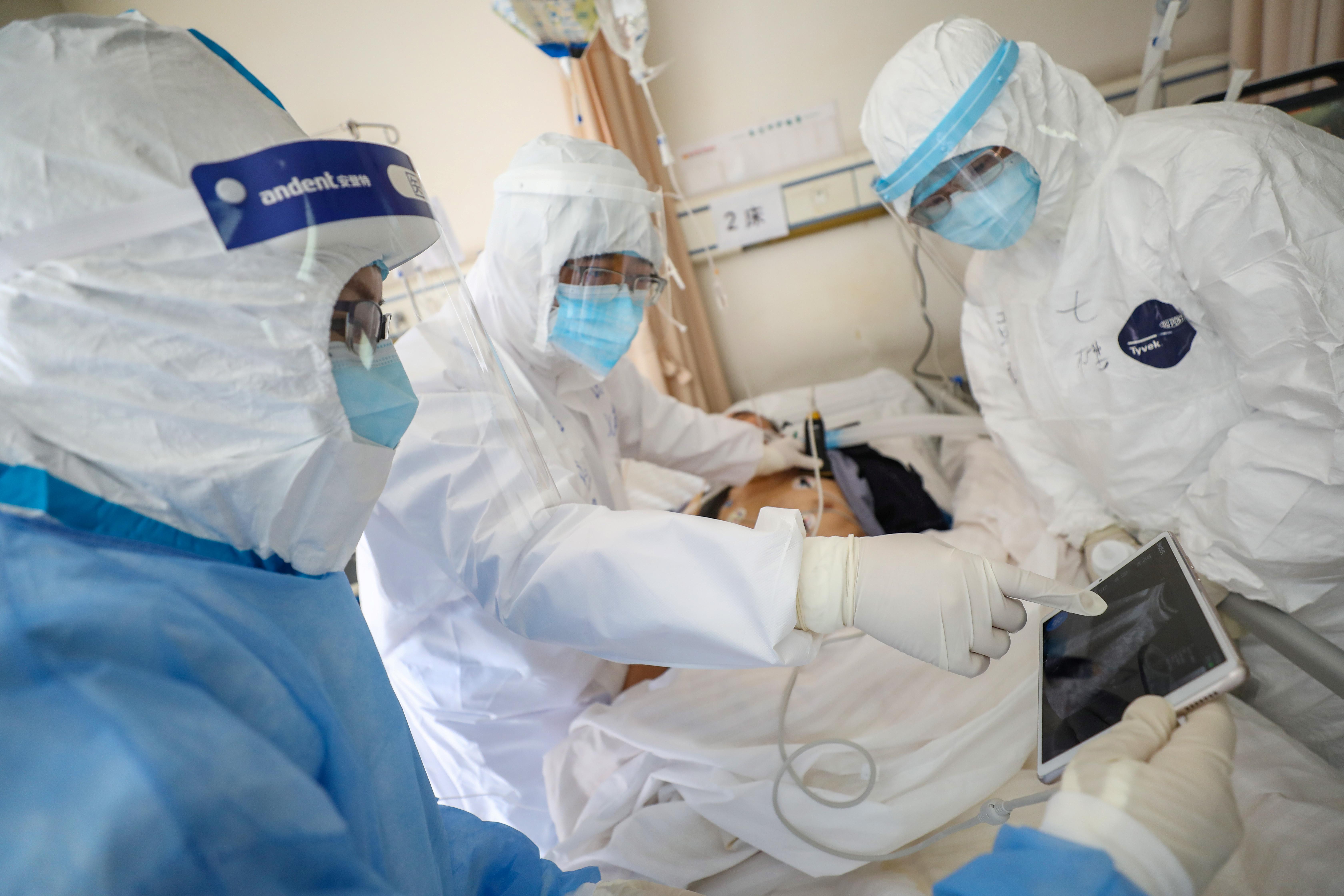 وفاة مدير مستشفى ووهان