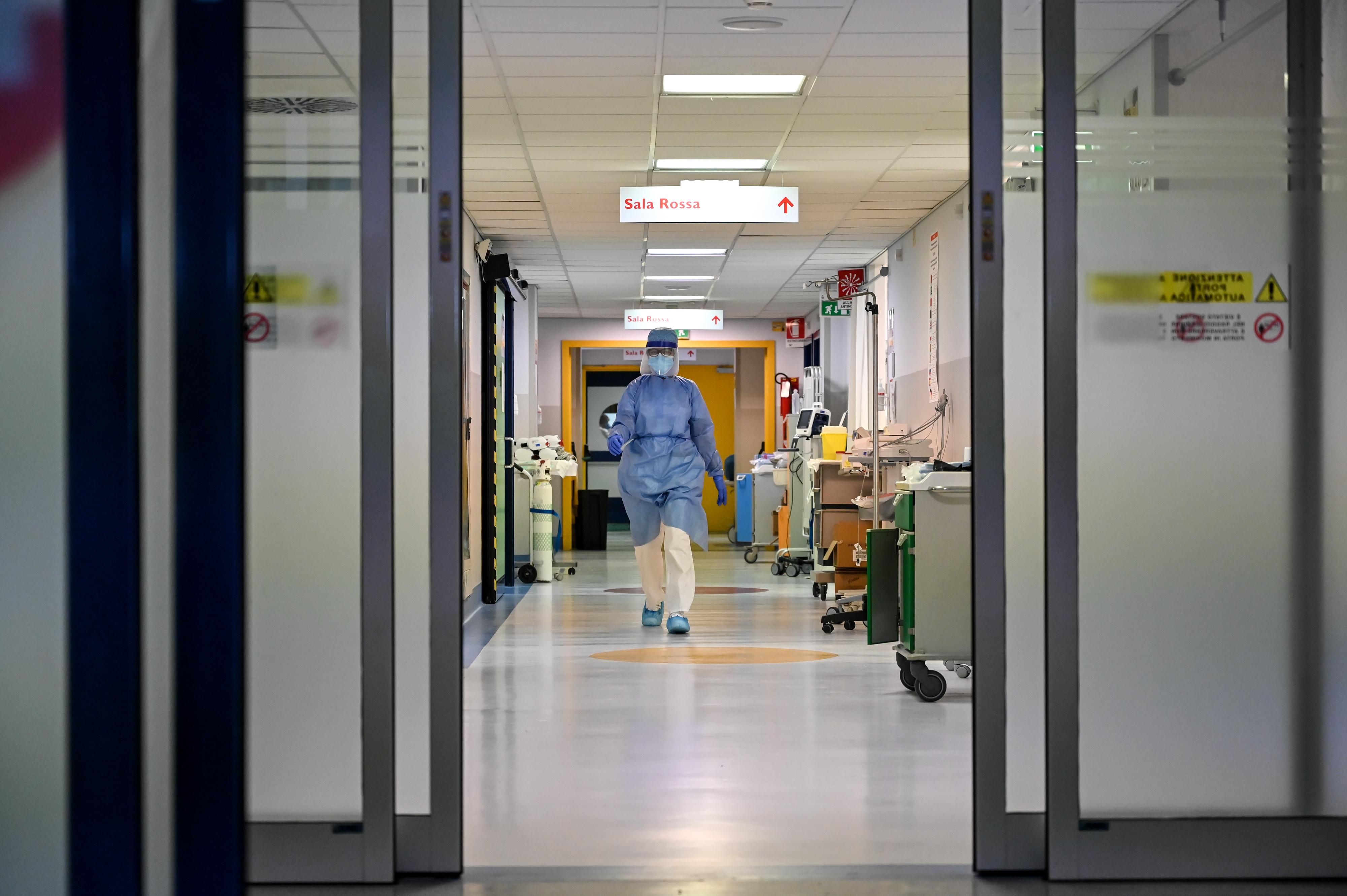 اللحظات الحرجة التي عاشها مصابون بكورونا في المستشفيات