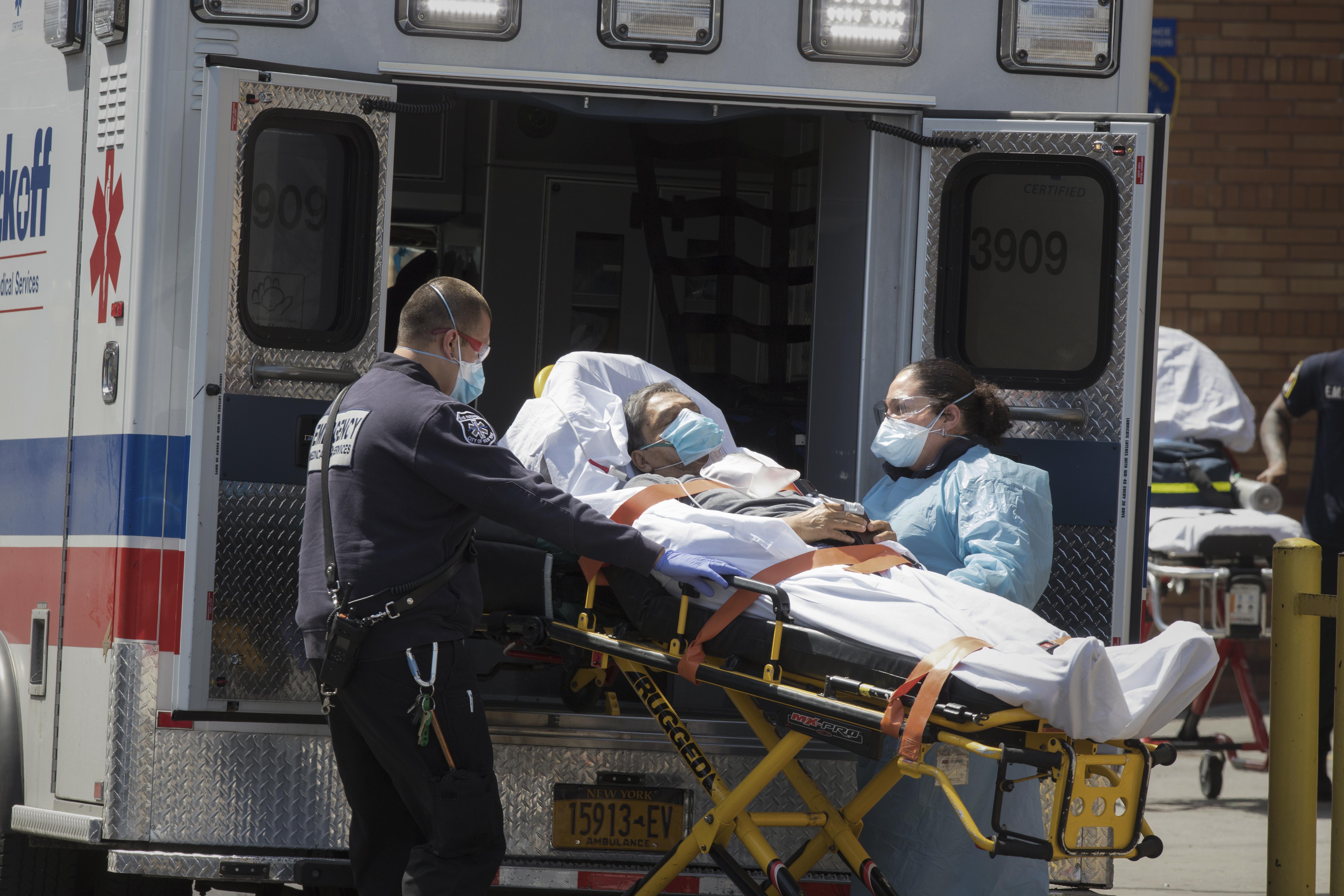 حوالي نصف عدد الوفيات التي أحصيت على الأراضي الأميركية سجلت في نيويورك