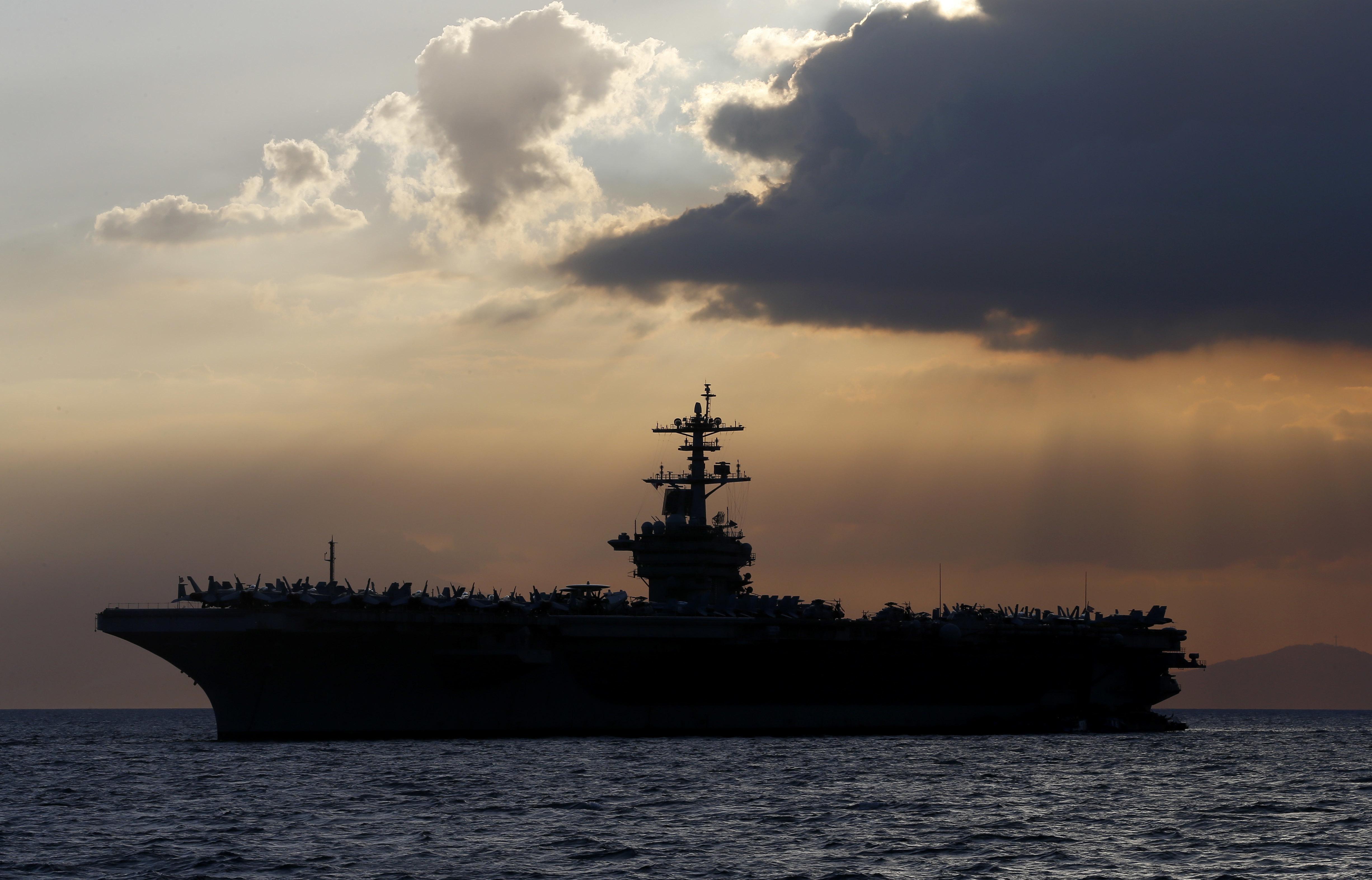 وزير الدفاع يؤكد أن أزمة سفينة روزفلت وانتشار كورونما المستجد لا يقوضان قدرات الجيش الأميركي