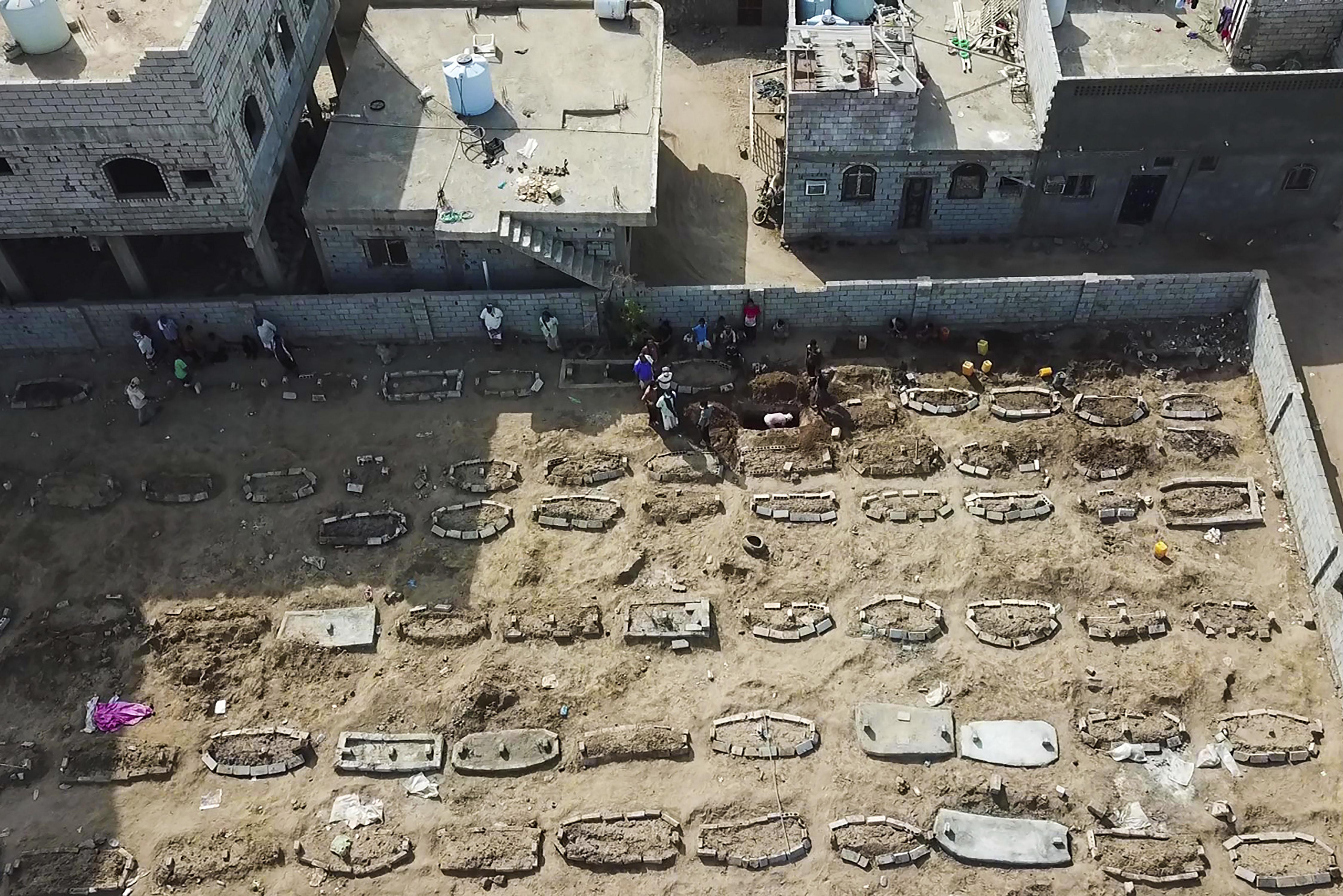 منظمة أطباء بلا حدود أفادت بتسجيل ارتفاع في الوفيات والإصابات الناجمة عن فيروس كورونا في عدن