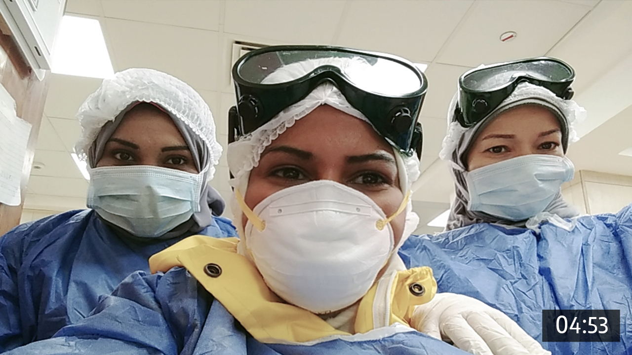 ممرضات وممرضون يروون حكاياتهم مع فيروس كورونا