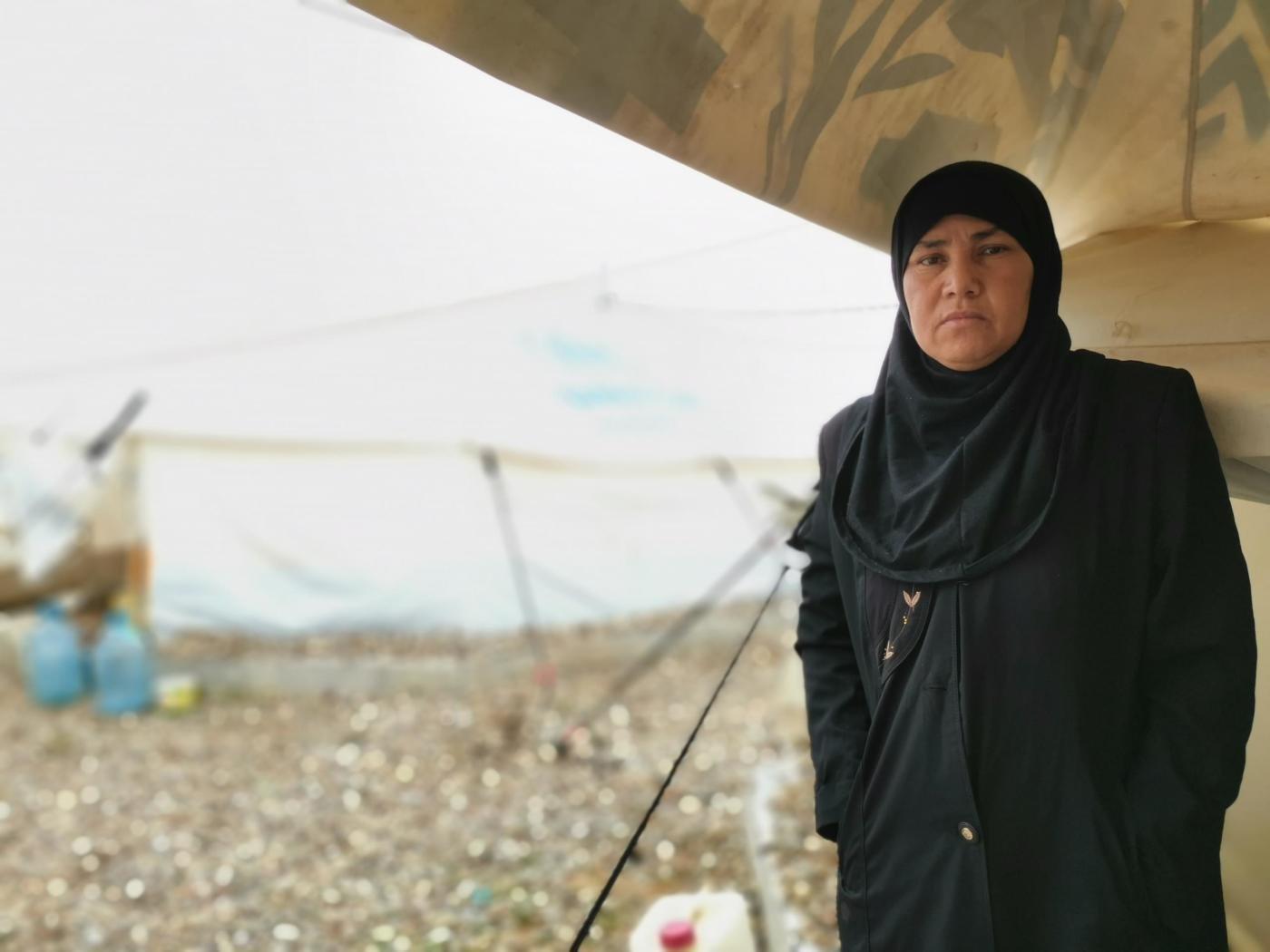 السيدة كتيبة 39 عاما تعيش في المخيم منذ 2018