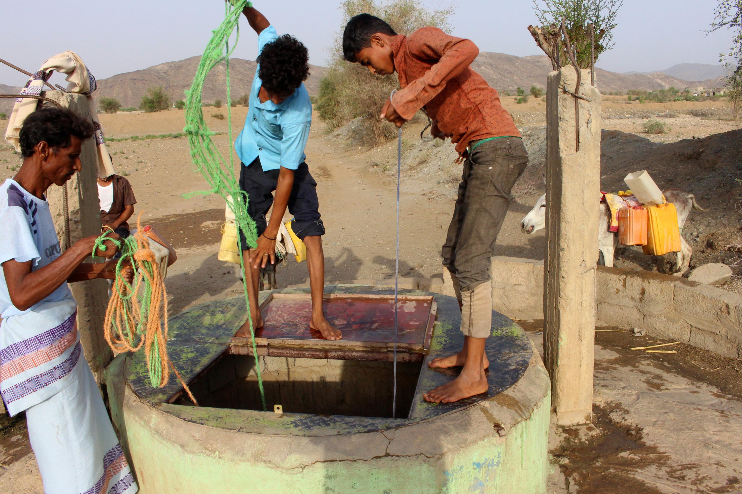 """""""اليمنيون لا يستطيعون الحصول على مياه الشرب وبعضهم لا يمكنهم الحصول على الصابون"""""""