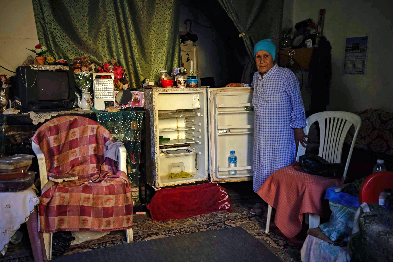 برادات اللبنانيين فارغة من الطعام بسبب ارتفاع الأسعار
