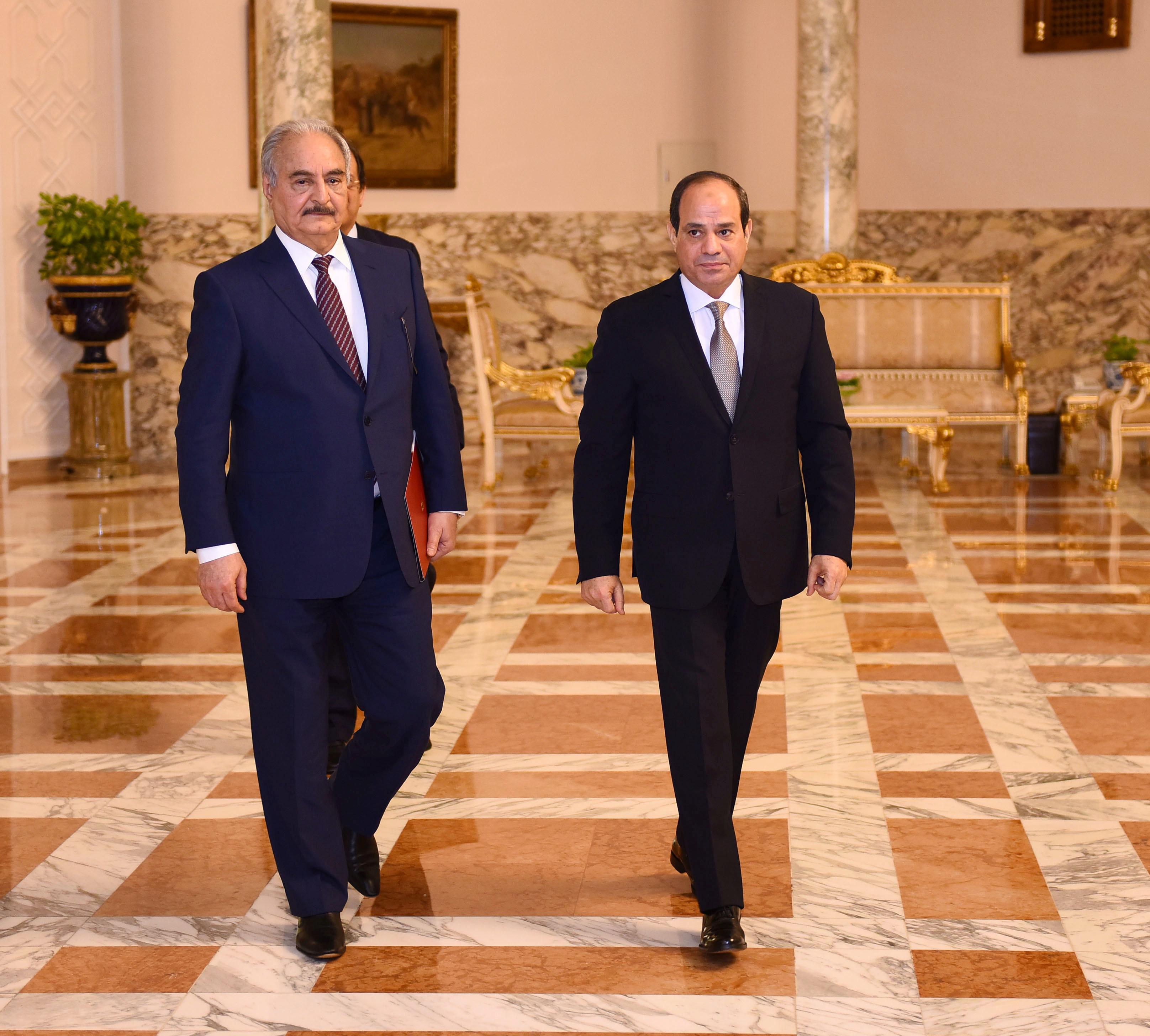 مصر وإلامارات يدعمان حفتر في مواجهة حكومة الوفاق