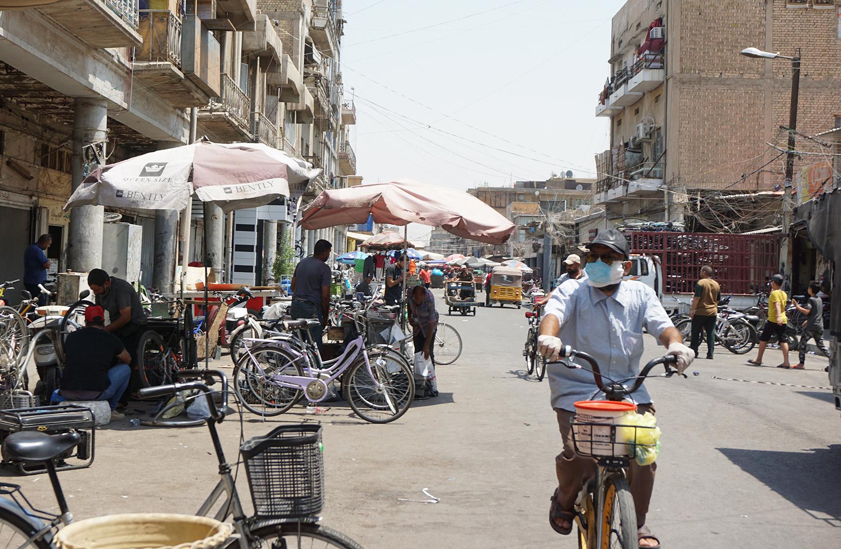 العراق يقرر فرض حظر شامل خلال عطلة العيد للحد من عدوى فيروس كورونا المستجد