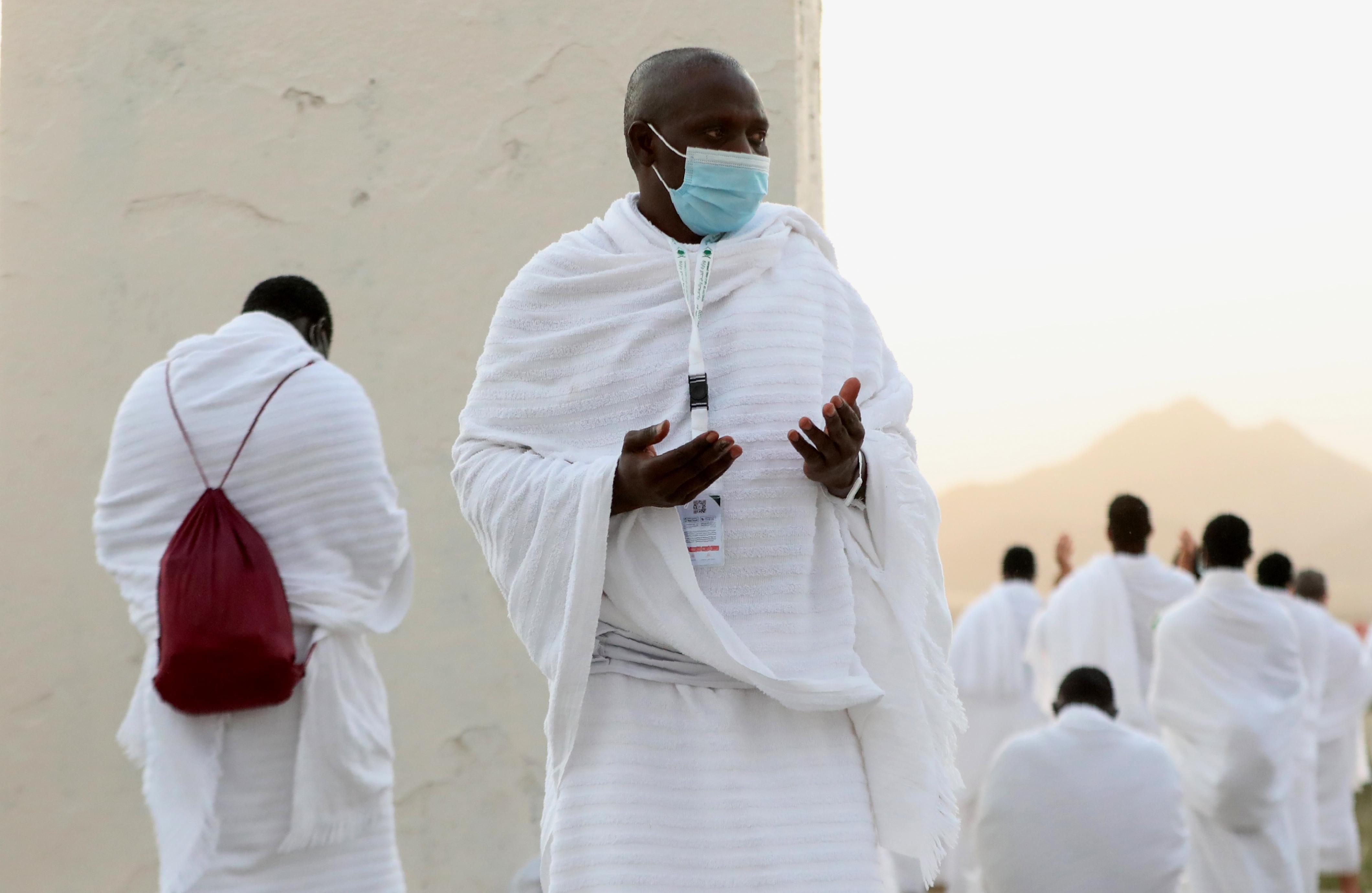 الحجاج توجهوا إلى صعيد عرفات لأداء أهم أركان الحج، عشية عيد الأضحى