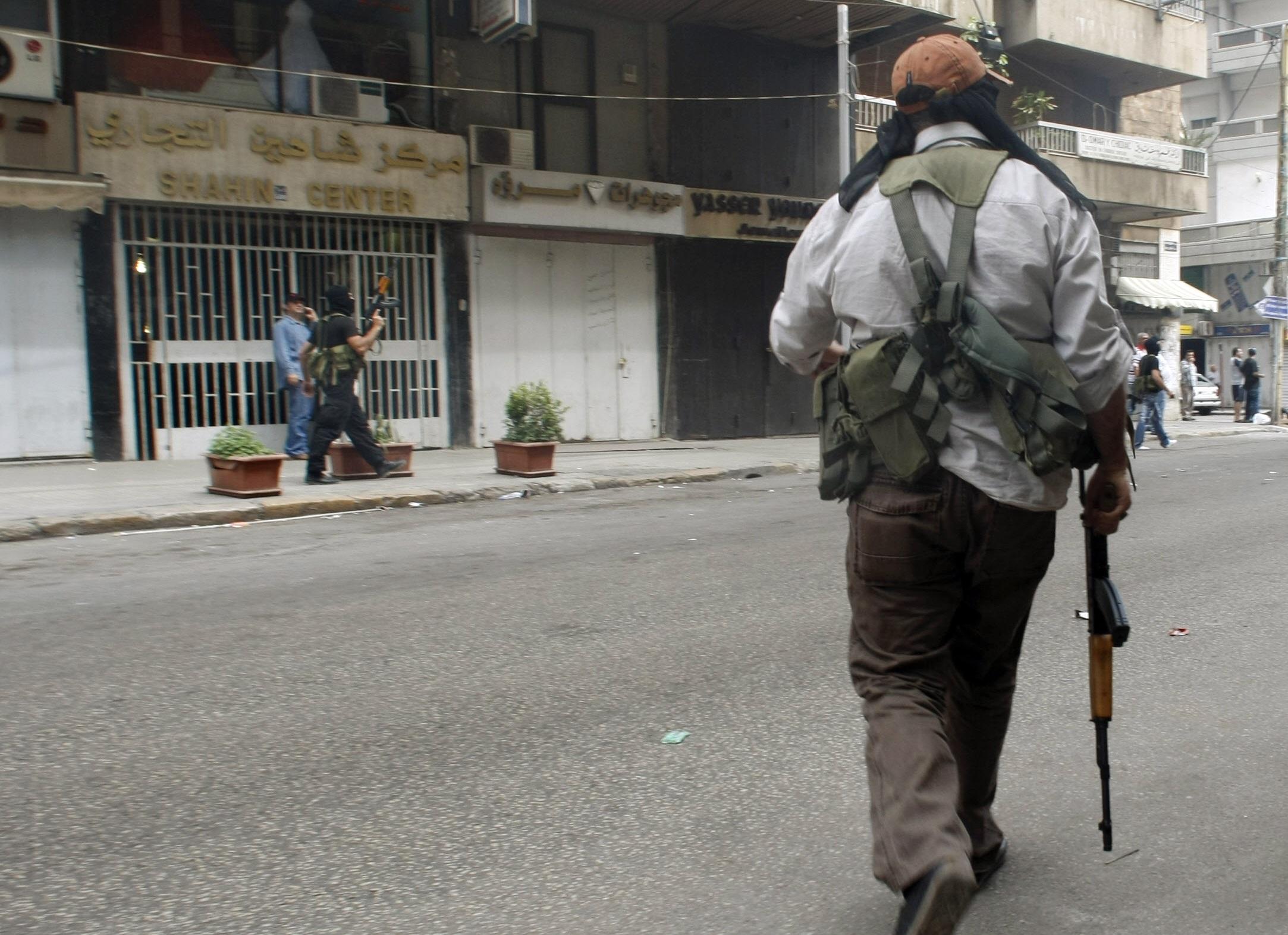 """اجتياح بيروت من قبل حزب الله و""""أمل"""" عام 2008."""