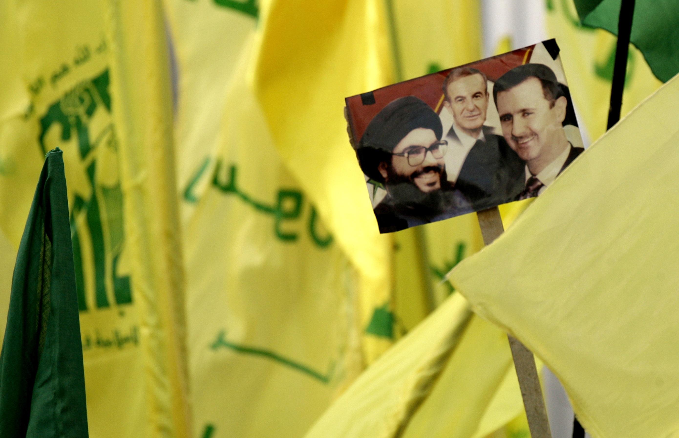 وفاة حافظ الأسد وخلافة ابنه بشار كانت نقطة تحول في مسار حزب الله في لبنان.