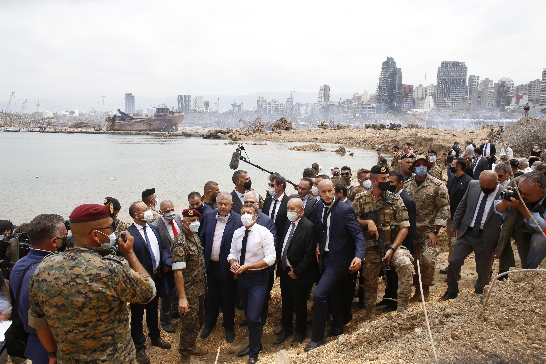 ماكرون زار لبنان مرتين وحصل على تعهدات بتشكيل الحكومة في 15 سبتمبر