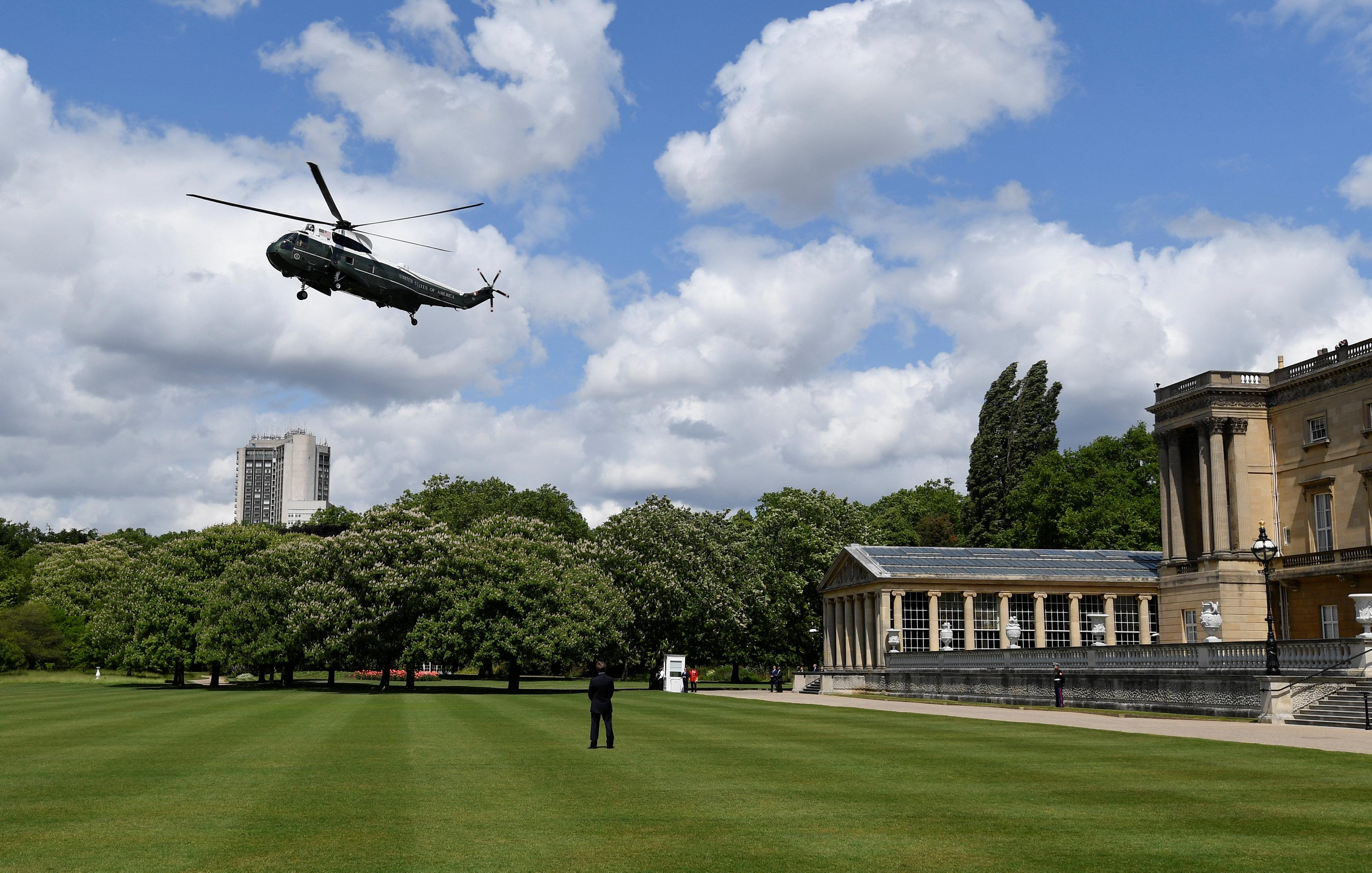 استخدم ترامب طائرة مارين ون في التنقلات الداخلية خلال زيارته الأخيرة لبريطانيا