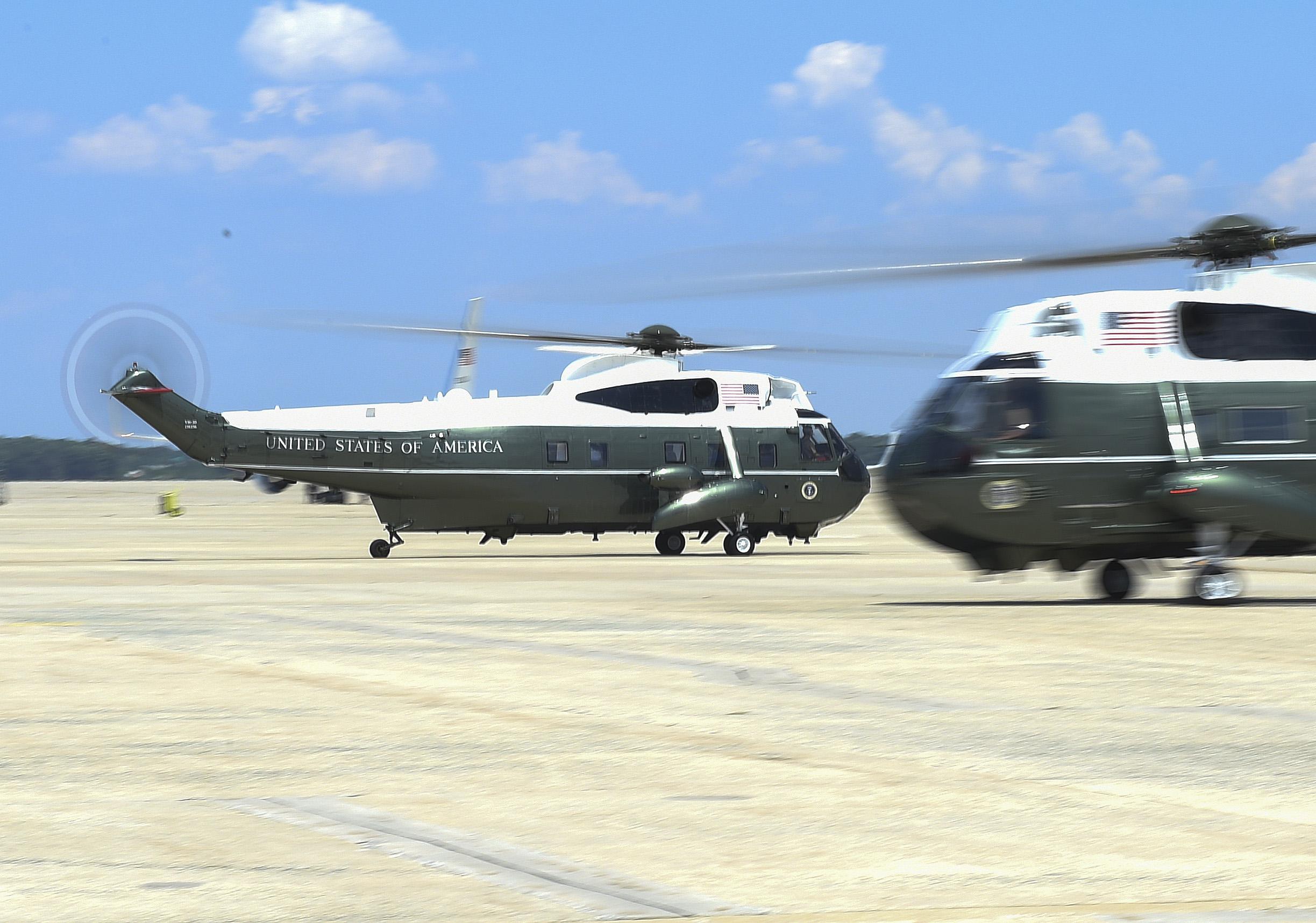 سرب طائرات مارين ون يضم 19 طائرة هليكوبتر