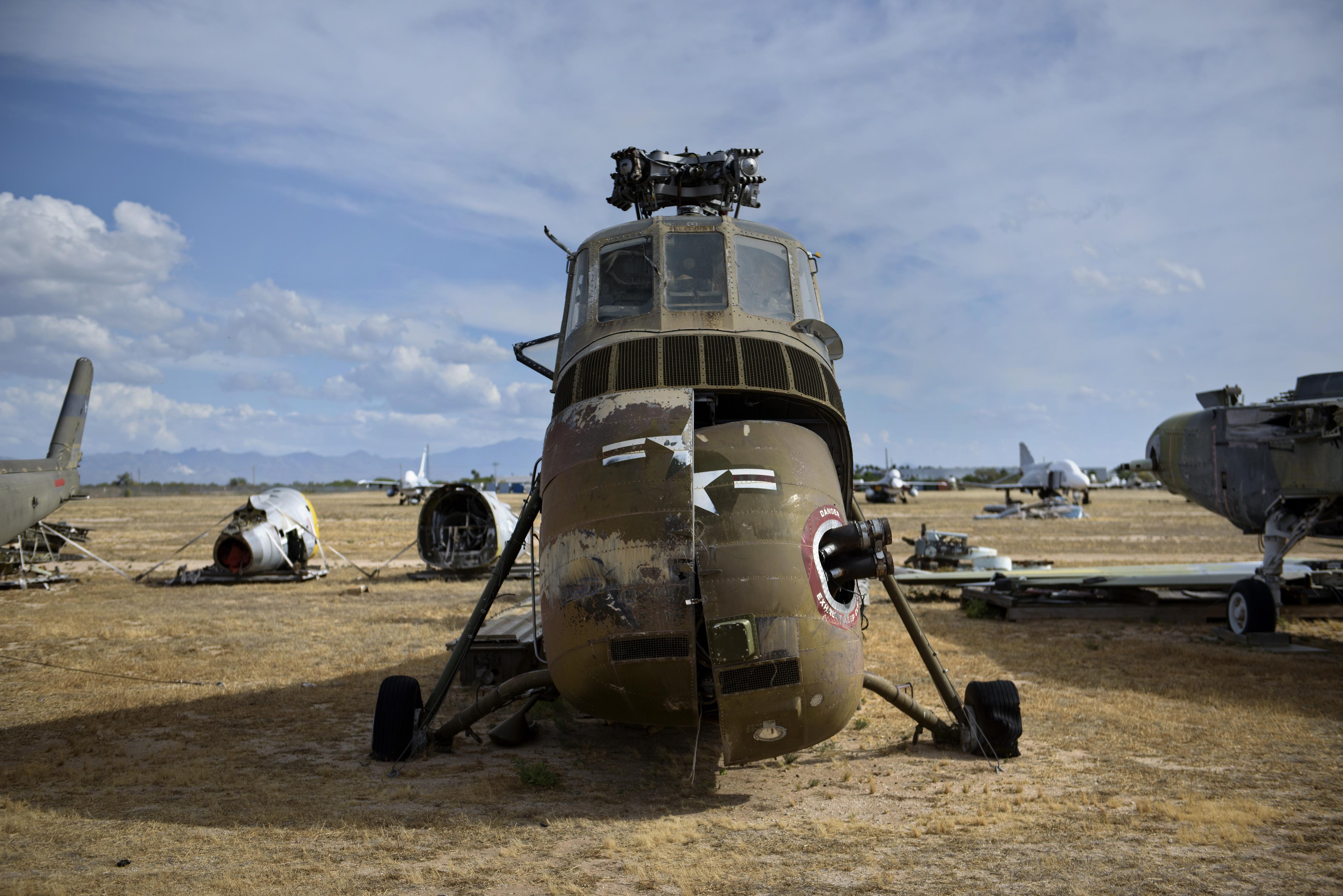 طائرة أتش 34 سي التي استخدمت لنقل الرئيس أيزنهاور في قاعدة جوية بأريزونا. أرشيفية