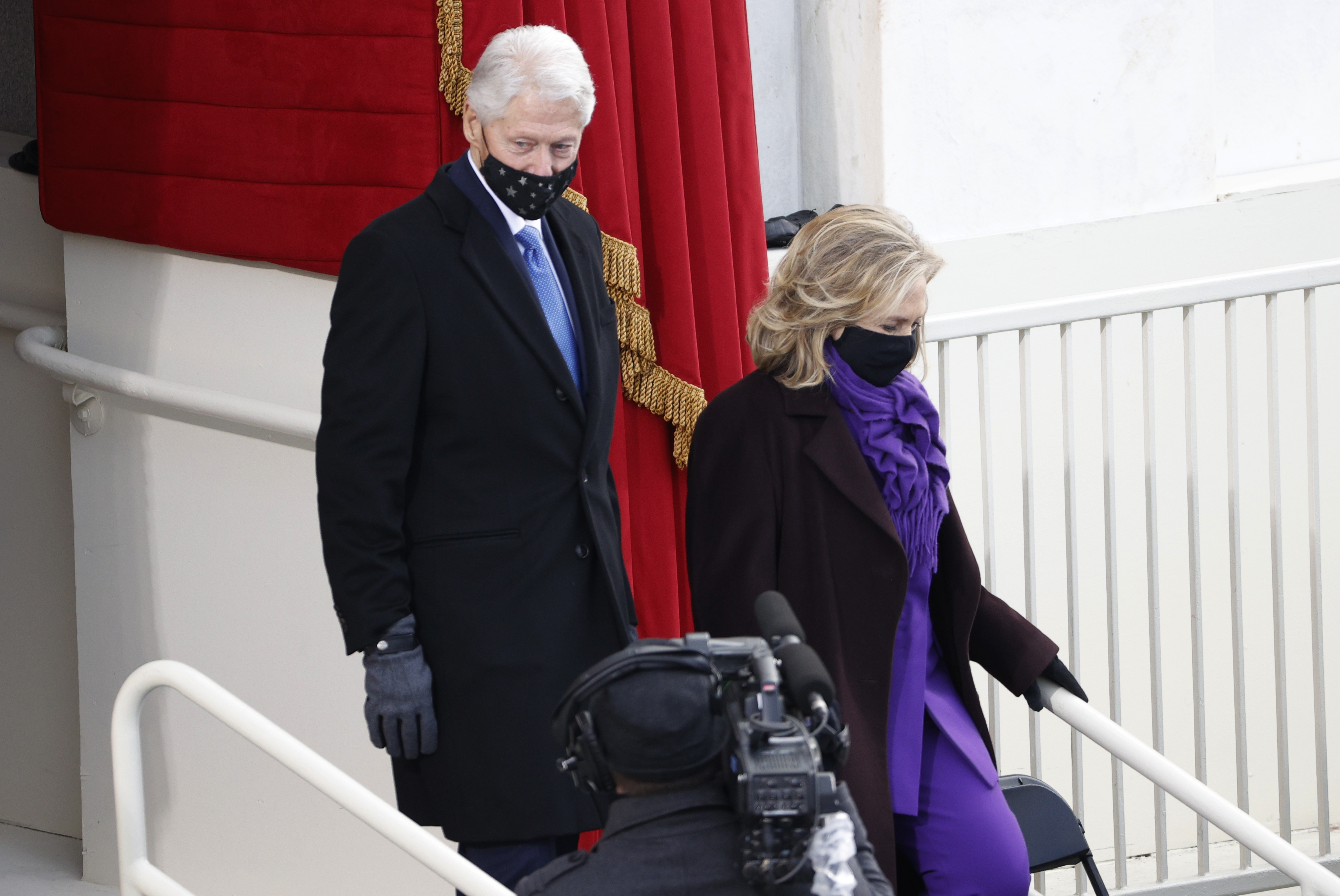 الرئيس الأسبق بيل كلينتون وزوجته هيلاري