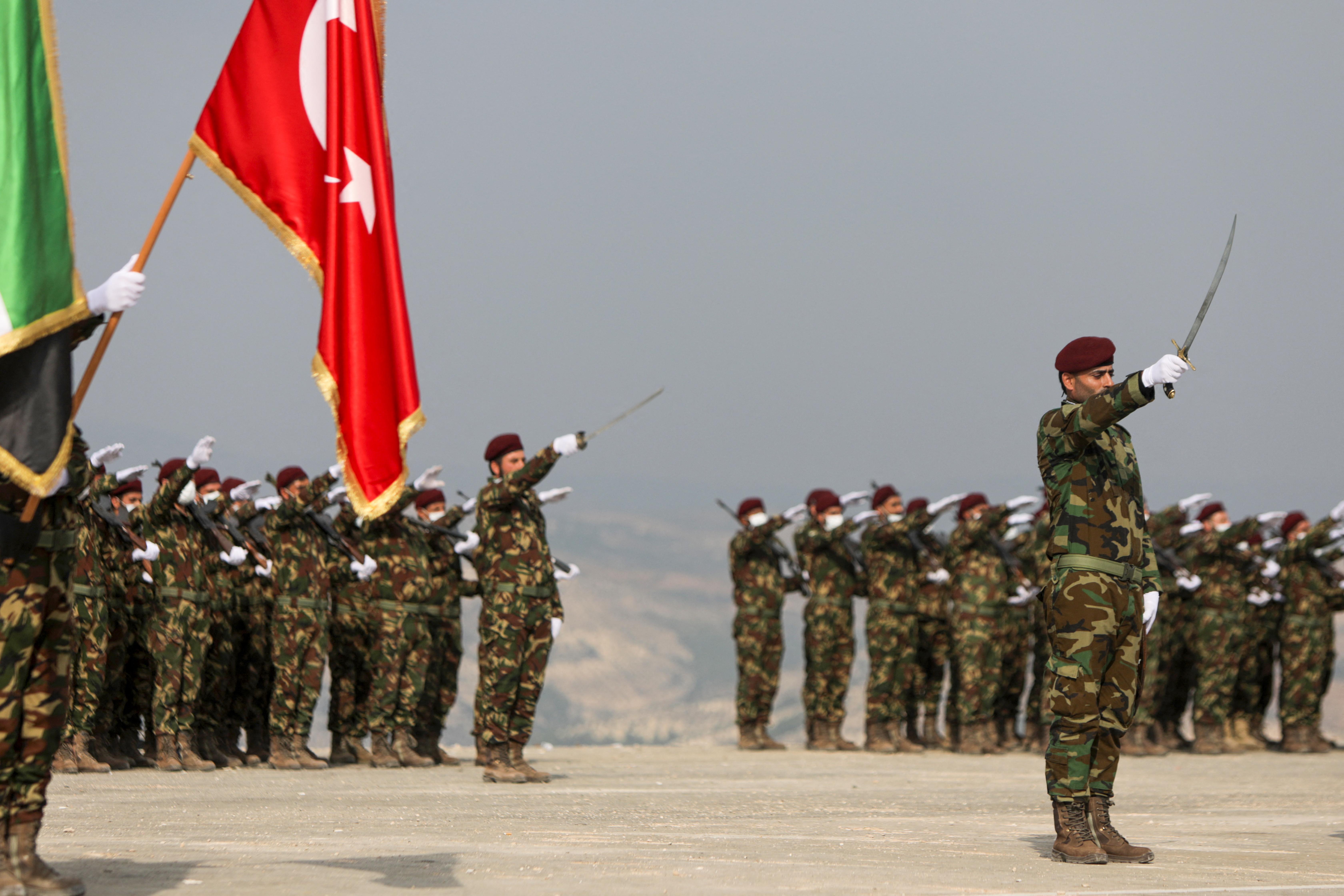 قادة فصائل مسلحة موالية لتركيا يتملكون مشاريع استثمارية