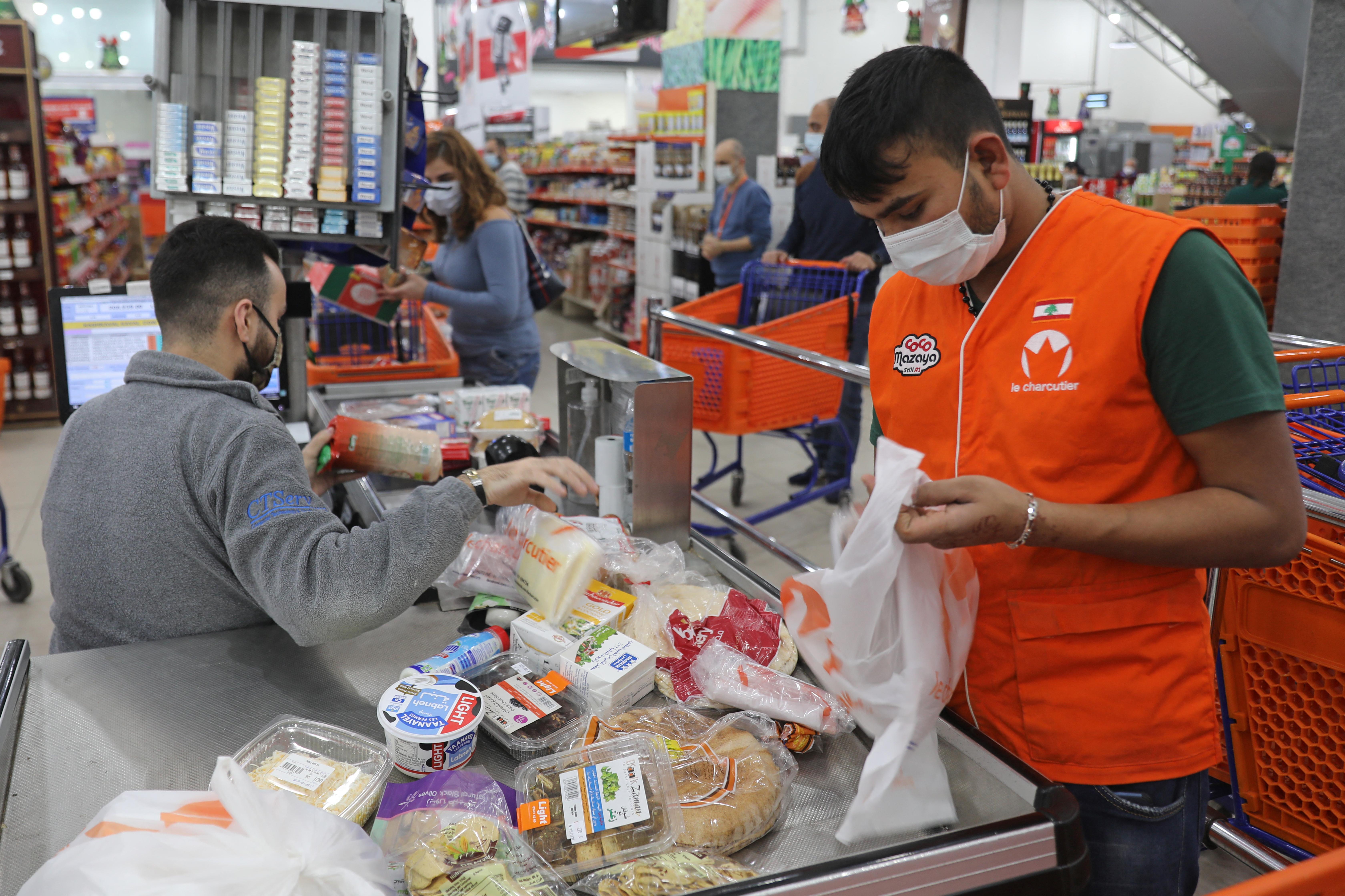 تقول التقارير الدولية إن أكثر من نصف اللبنانيين أصبحوا تحت خط الفقر