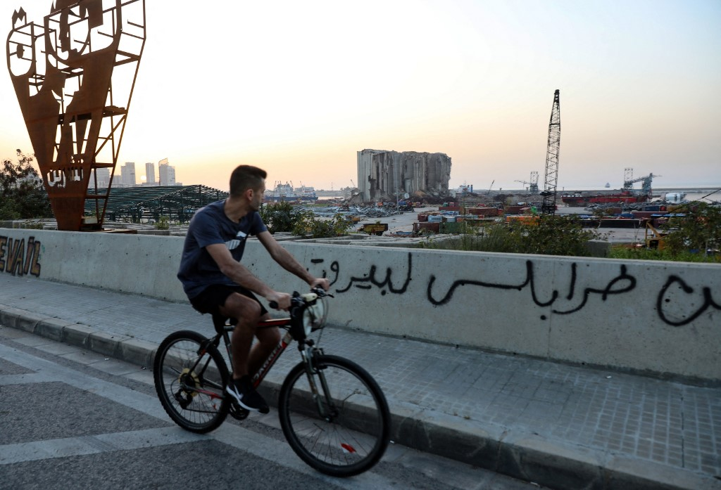 لبنان يعيش عدم استقرار سياسي واقتصادي مع فشل تشكيل الحكومة حتى الآن