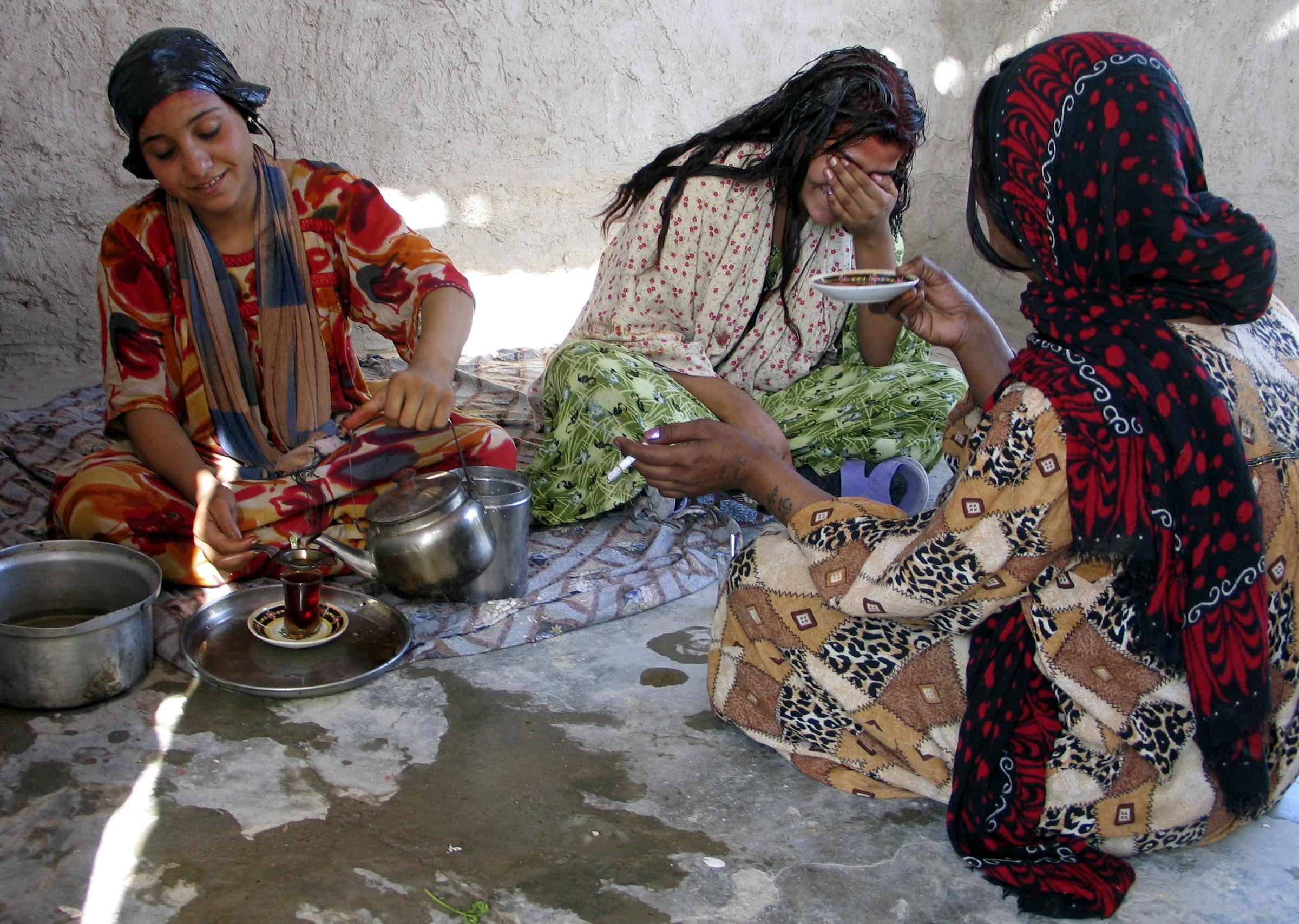 غجر العراق مجتمعات أمومية عادة