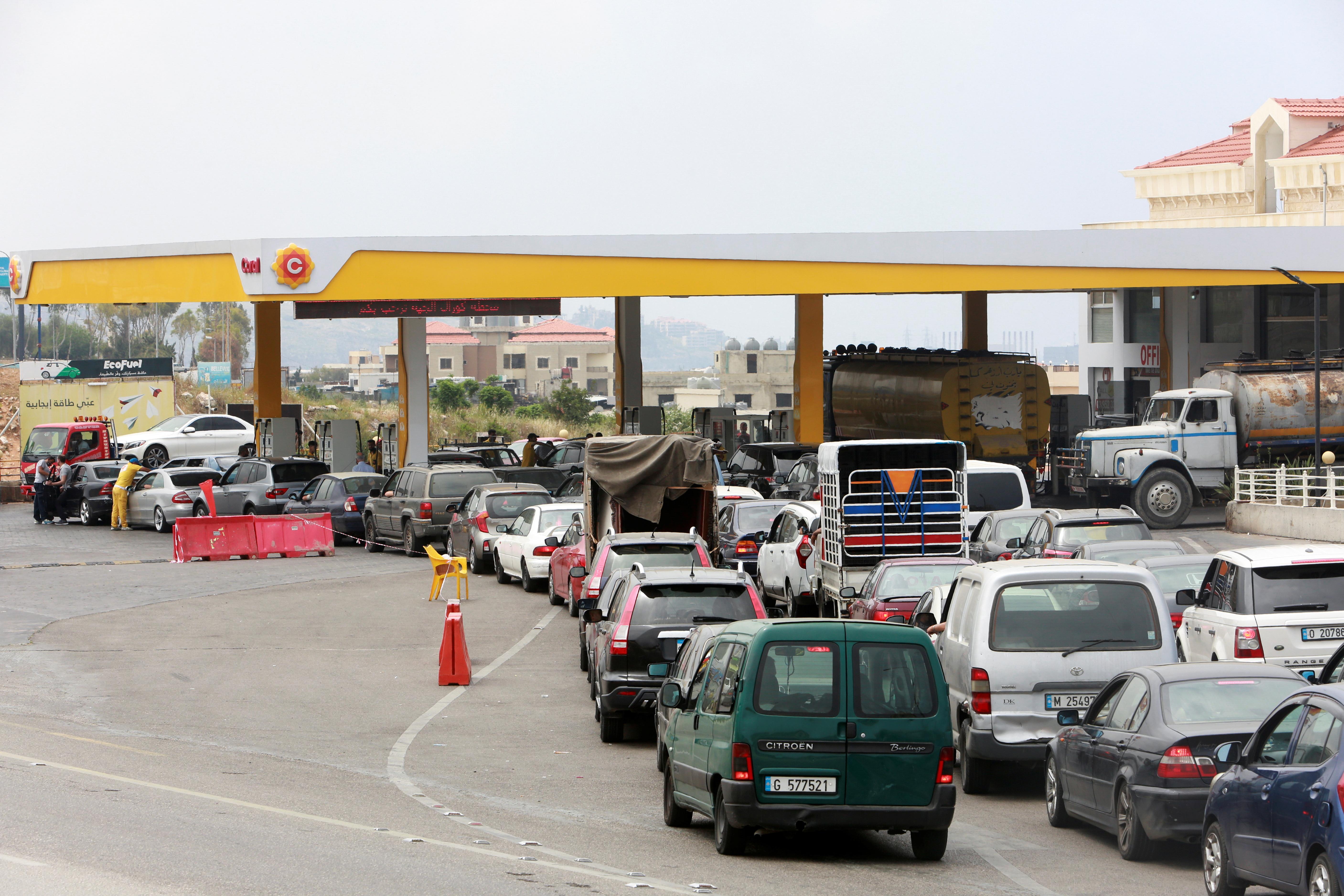 سعر صفيحة الوقود في لبنان بلغ سعرها 28 دولار