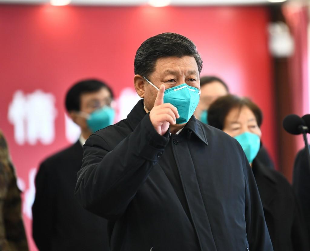 الرئيس الصيني وصف العاملين في القطاع الطبي بأنهم أجمل الملائكة