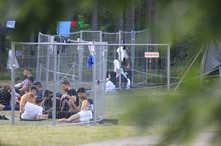 مهاجرون في مخيم احتجاز في ليتوانيا.. حيث يقدمون في العادة من بيلاروسيا