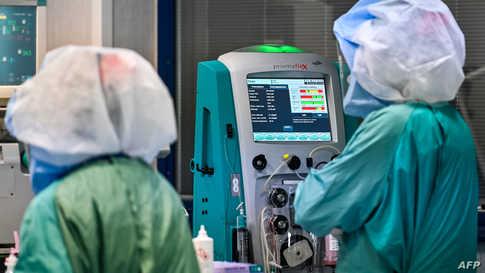 ربع المصابين بفيروس كورونا المستجد من الذين احتاجوا لأجهزة تنفس اصطناعية كانوا بحاجة كذلك لدعم اصطناعي للكلى