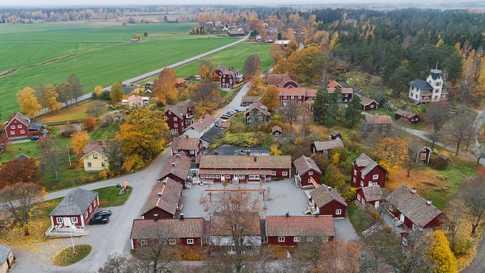 قرية ساترا برون السويدية للبيع مقابل مبلغ ٧ مليون دولار