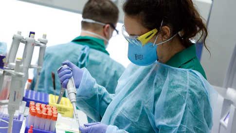 أوضح الباحثون أن المناعة ضد الفيروس قد يكون أثرها محدودا