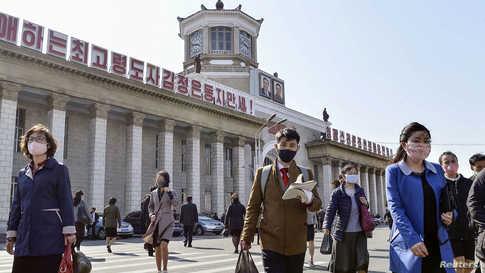 سحبت عدة دول منها ألمانيا وفرنسا دبلوماسييها من كوريا الشمالية في مارس وأغلقت بعثاتها هناك.