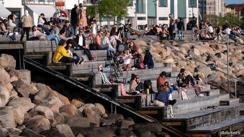 لم تفرض السويد إغلاقات للحد من تفشي فيروس كورونا المستجد على اراضيها.