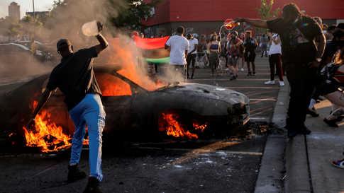 وكانت بعض الاحتجاجات عنيفة