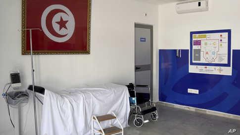 أكثر من 60 تونسيا اعتصموا داخل سفارة بلادهم في الدوحة