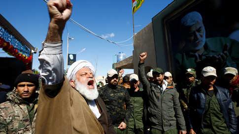 """الميليشيات الموالية لإيران في العراق تشن حملة """"أخبار وهمية"""" ضد الولايات المتحدة"""