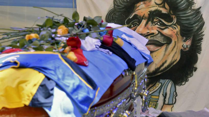 إشكالات داخل القصر الرئاسي الأرجنتيني أثناء وداع مارادونا
